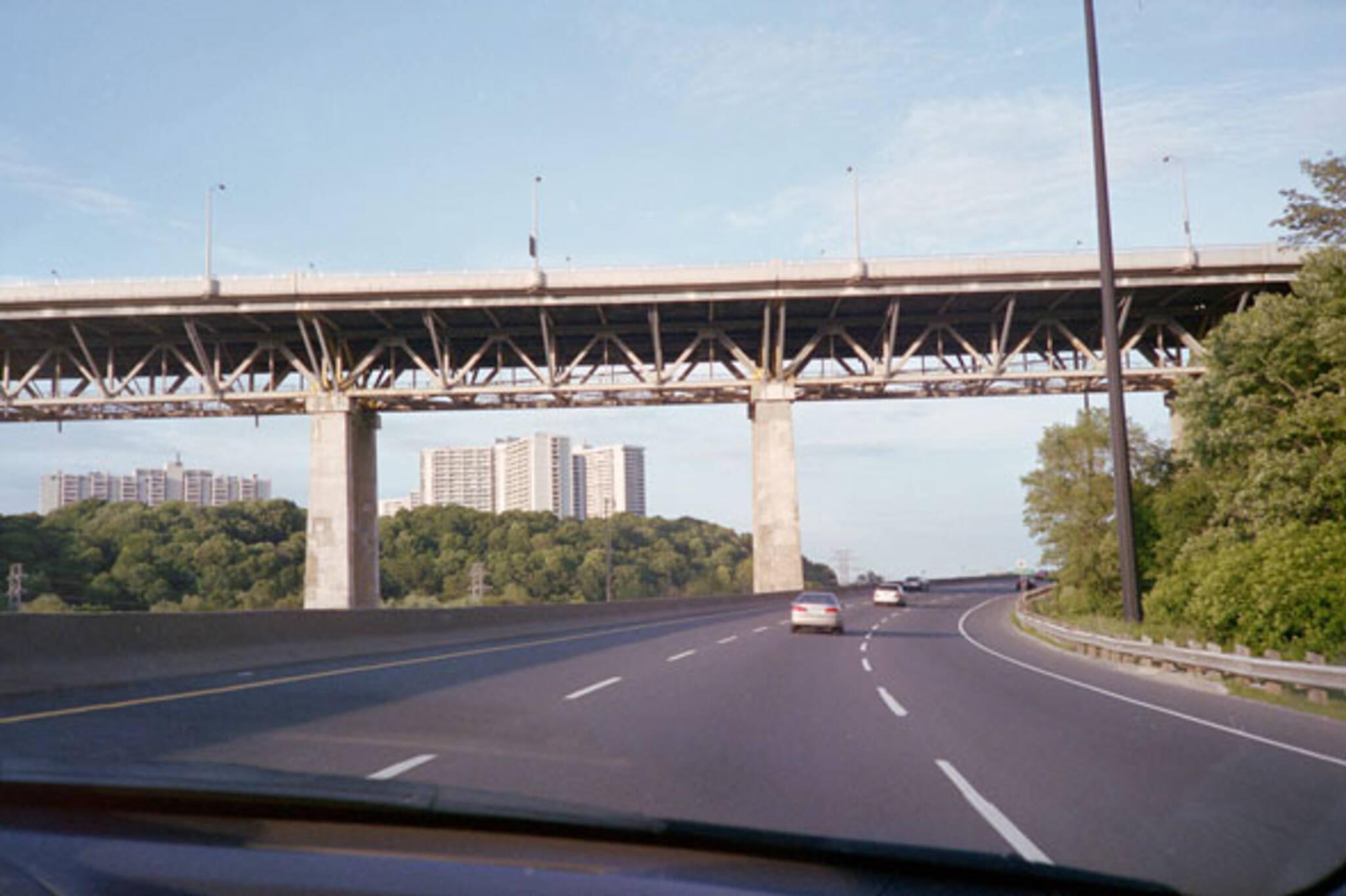 toronto leaside bridge