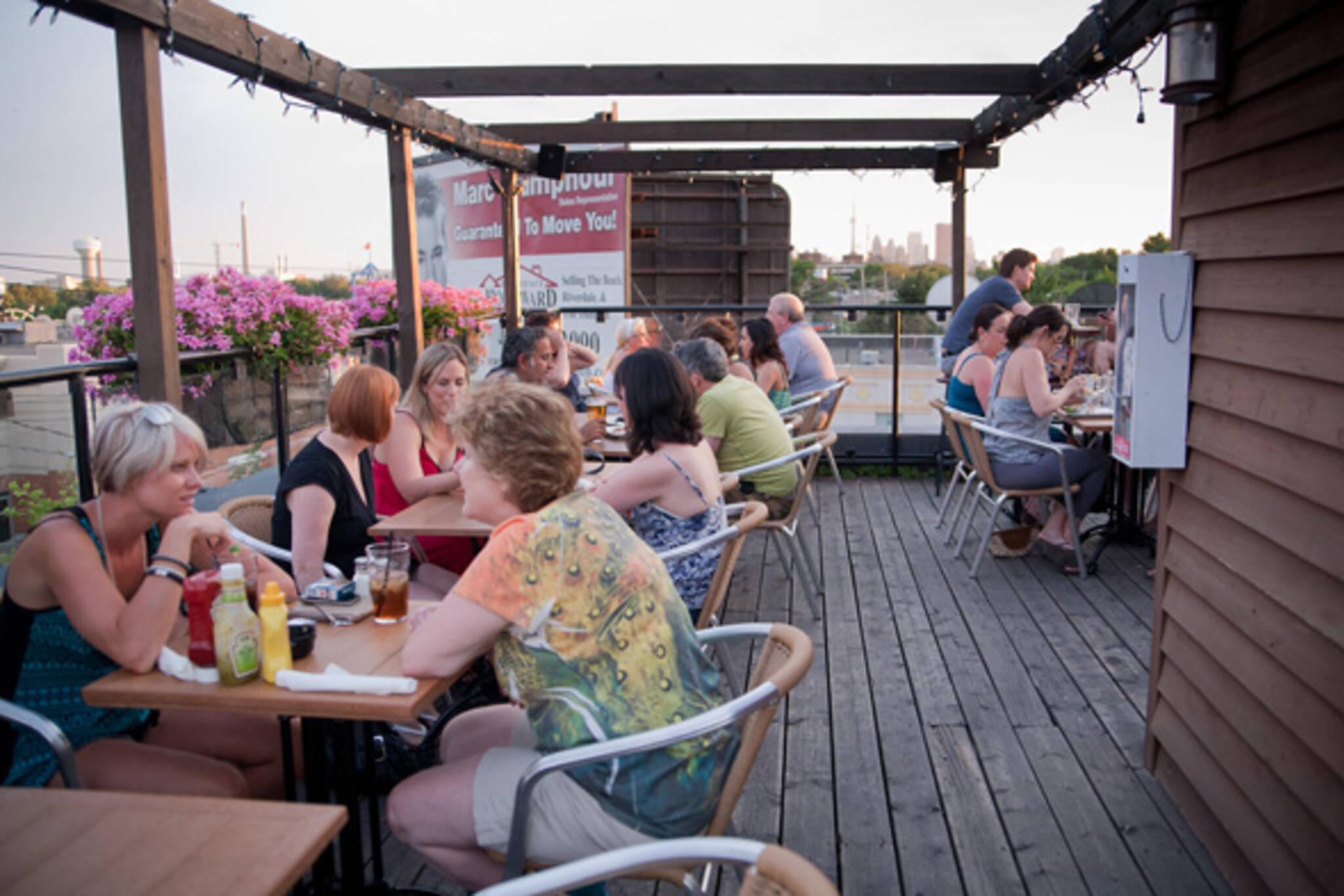Queen Street East Restaurants Beaches