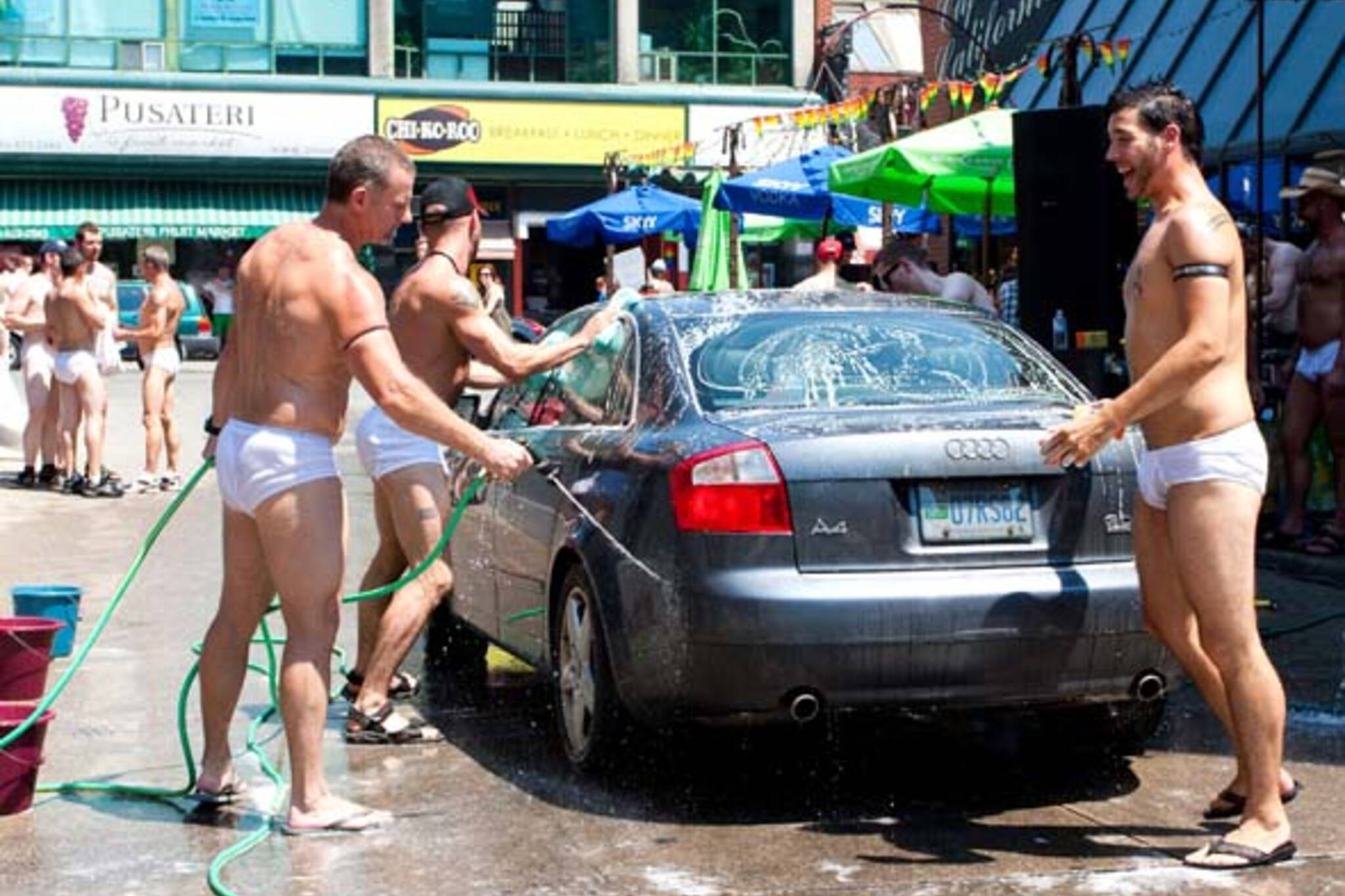 Nude Car wash