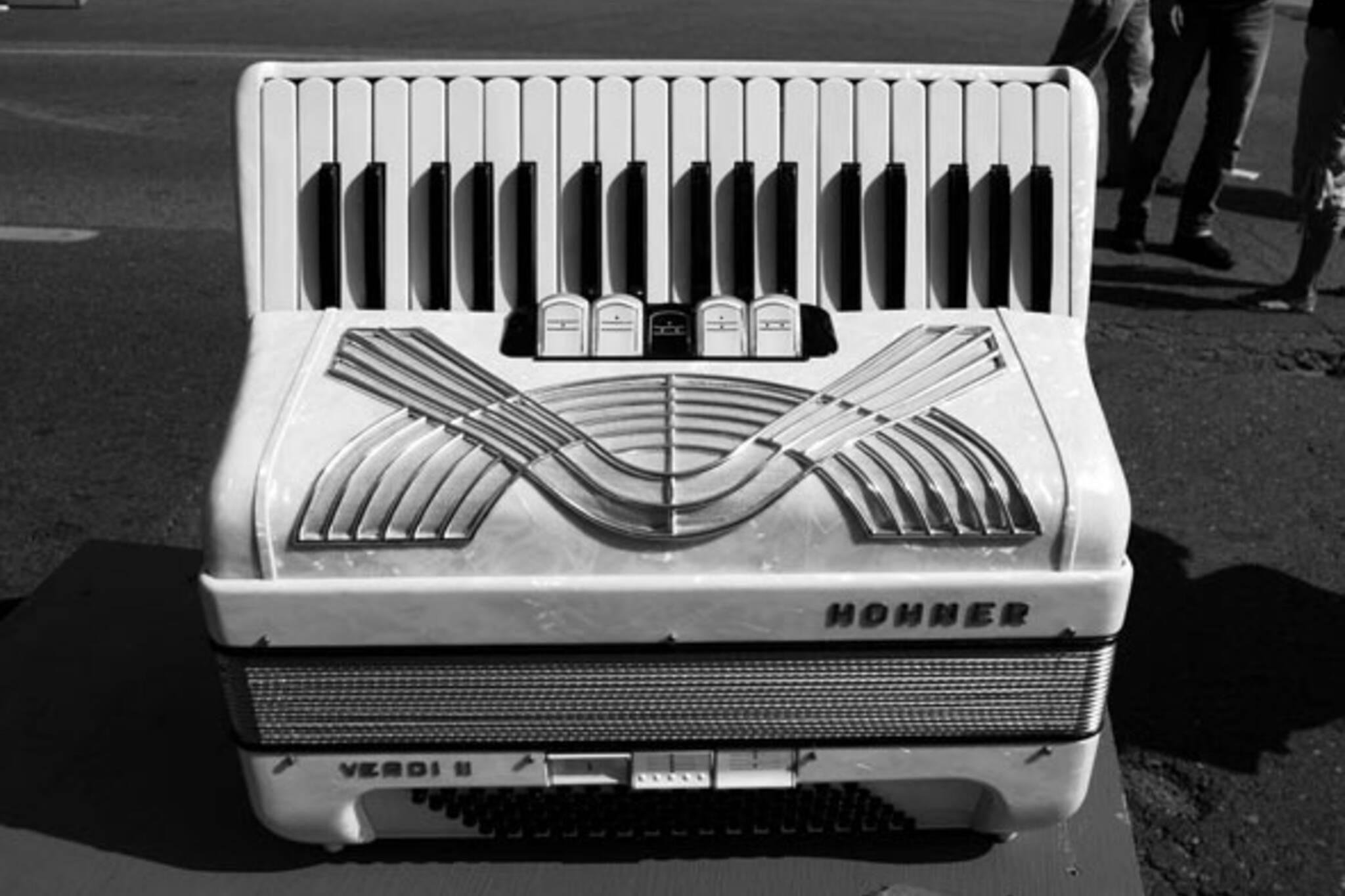 giant accordion toronto