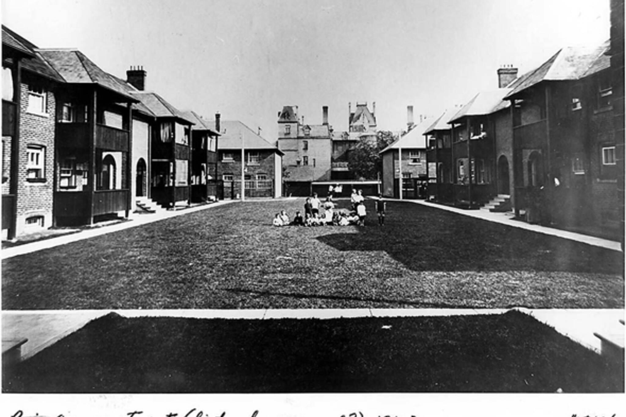 Toronto, social housing, housing reform, public health, Dr. Charles Hastings, 1913