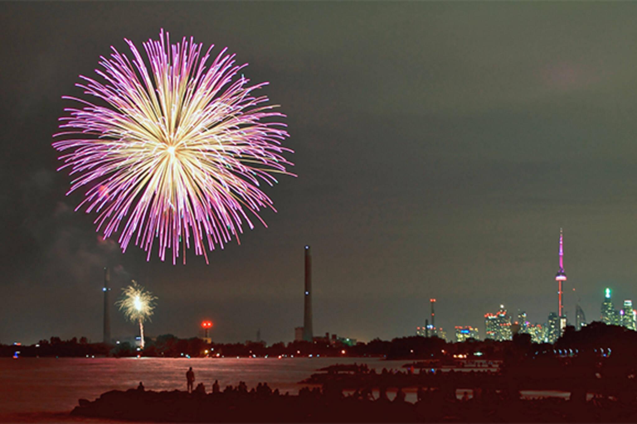 victoria day fireworks toronto 2015