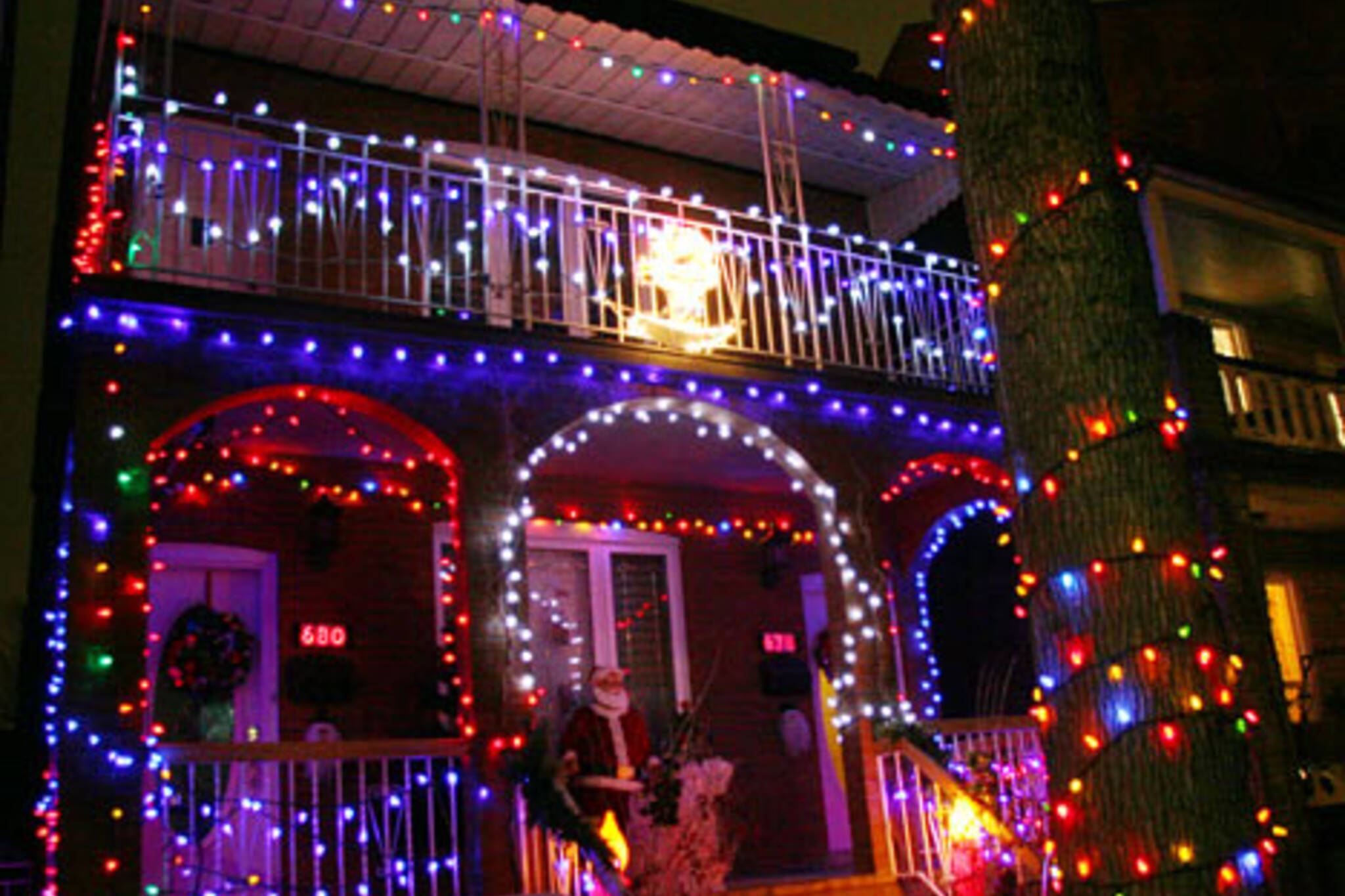 20061213-glowTO-adel1.jpg