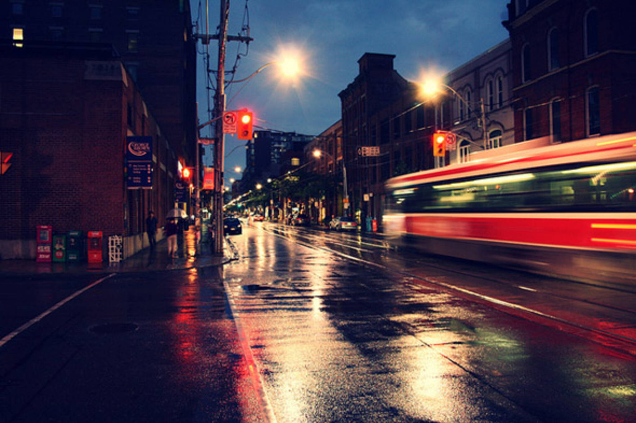 toronto, rain, streetcar