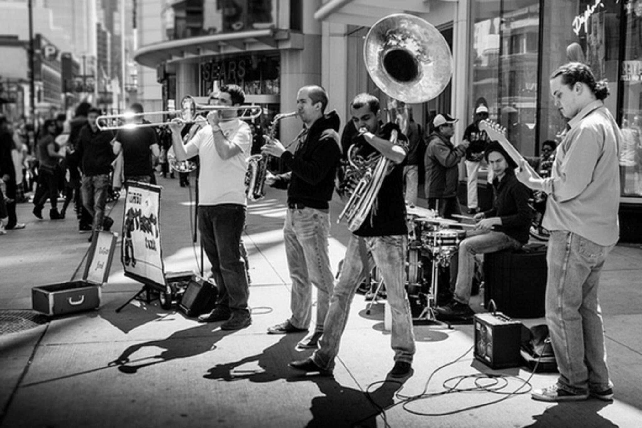 Street music toronto