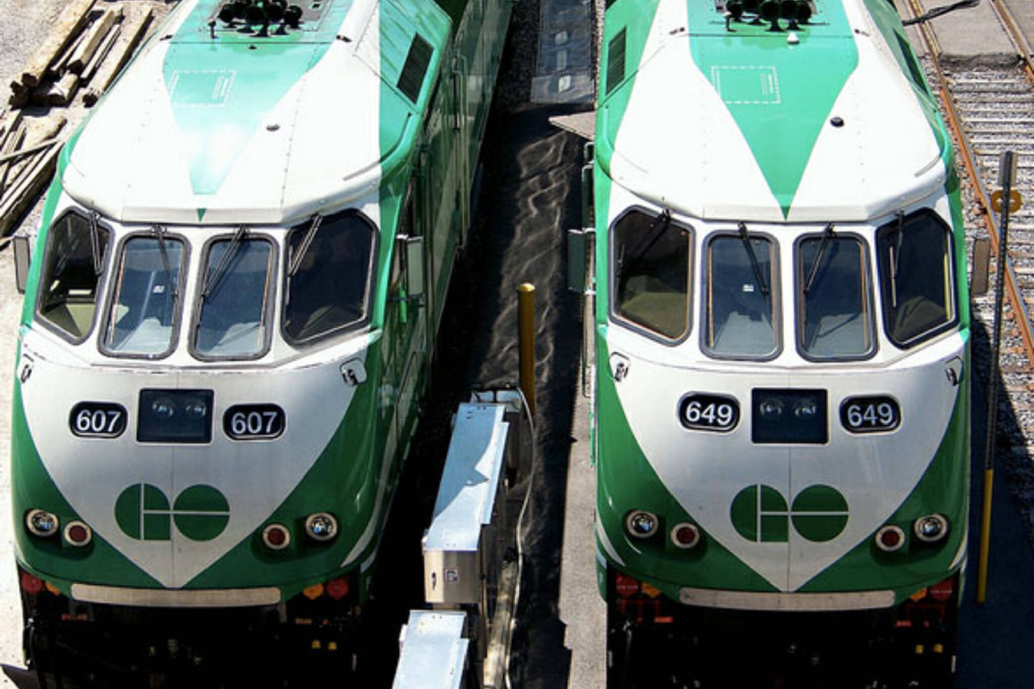 toronto go trains union station