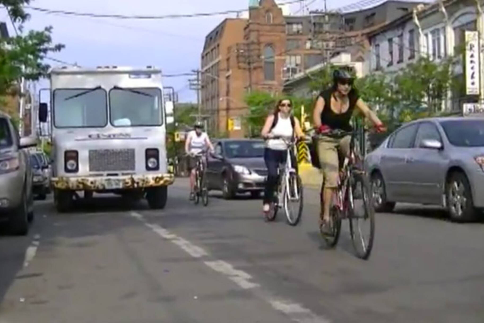 cyclists toronto rude