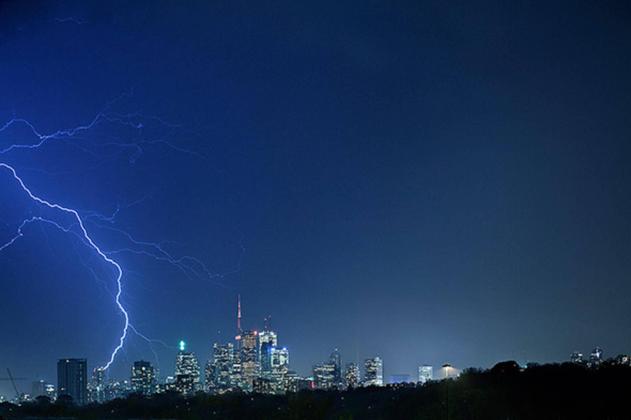 lightning strike toronto