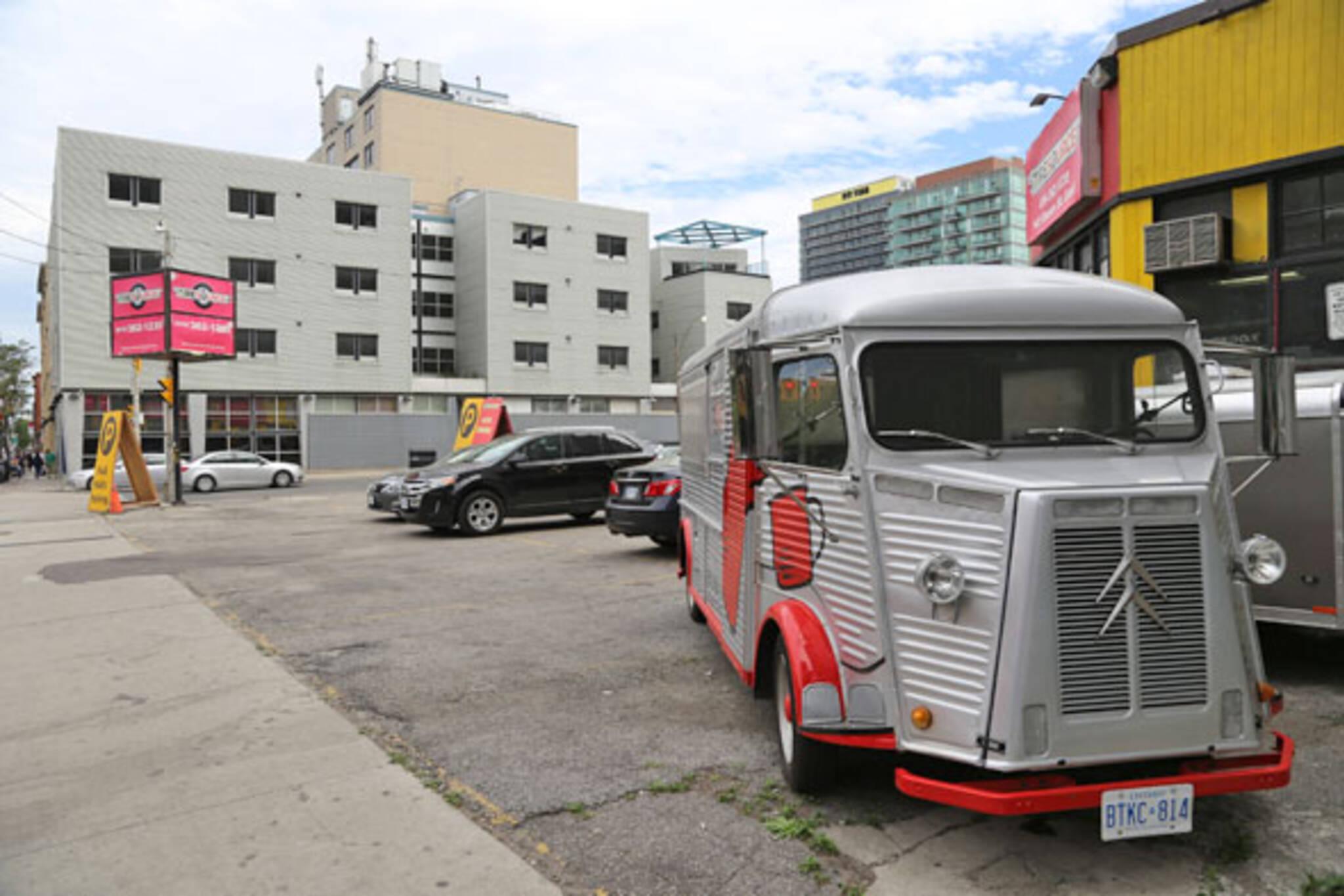 toronto food truck alley