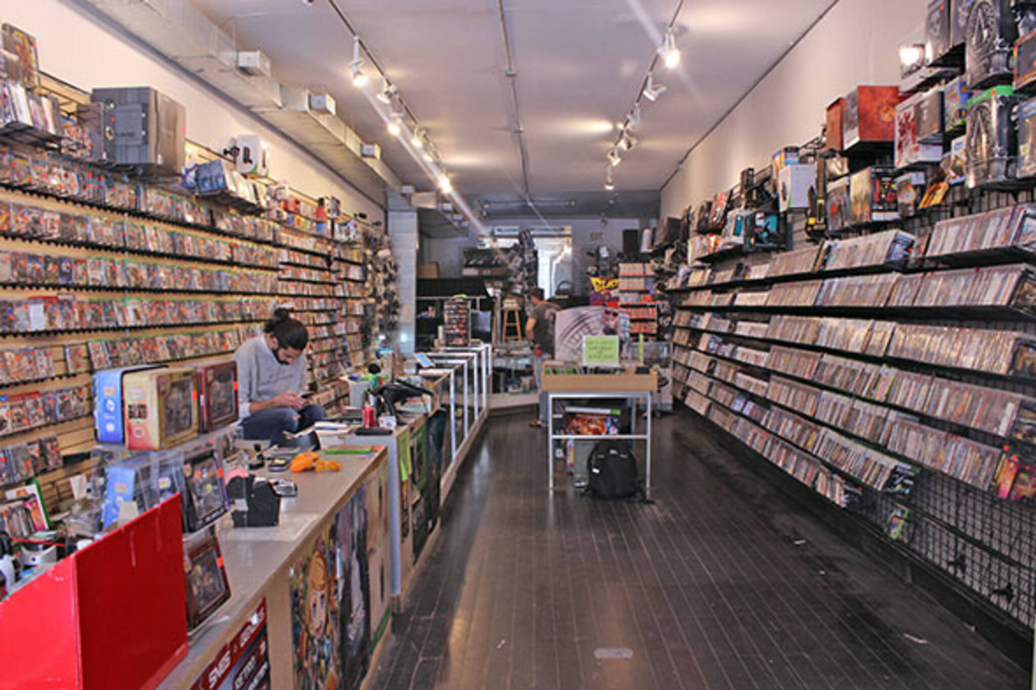 the top 10 video game stores in toronto. Black Bedroom Furniture Sets. Home Design Ideas