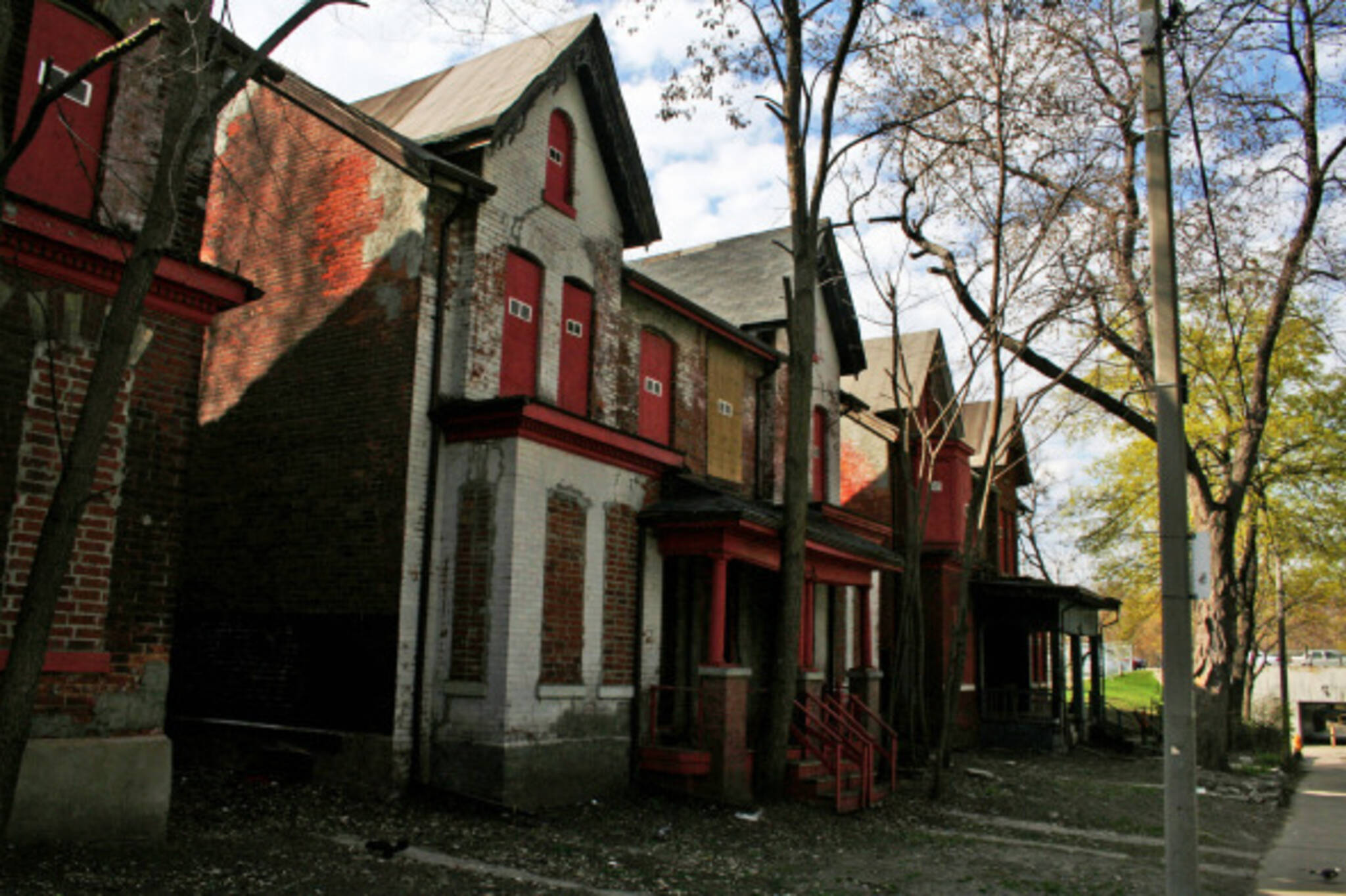 Abandoned Homes on Glen Road