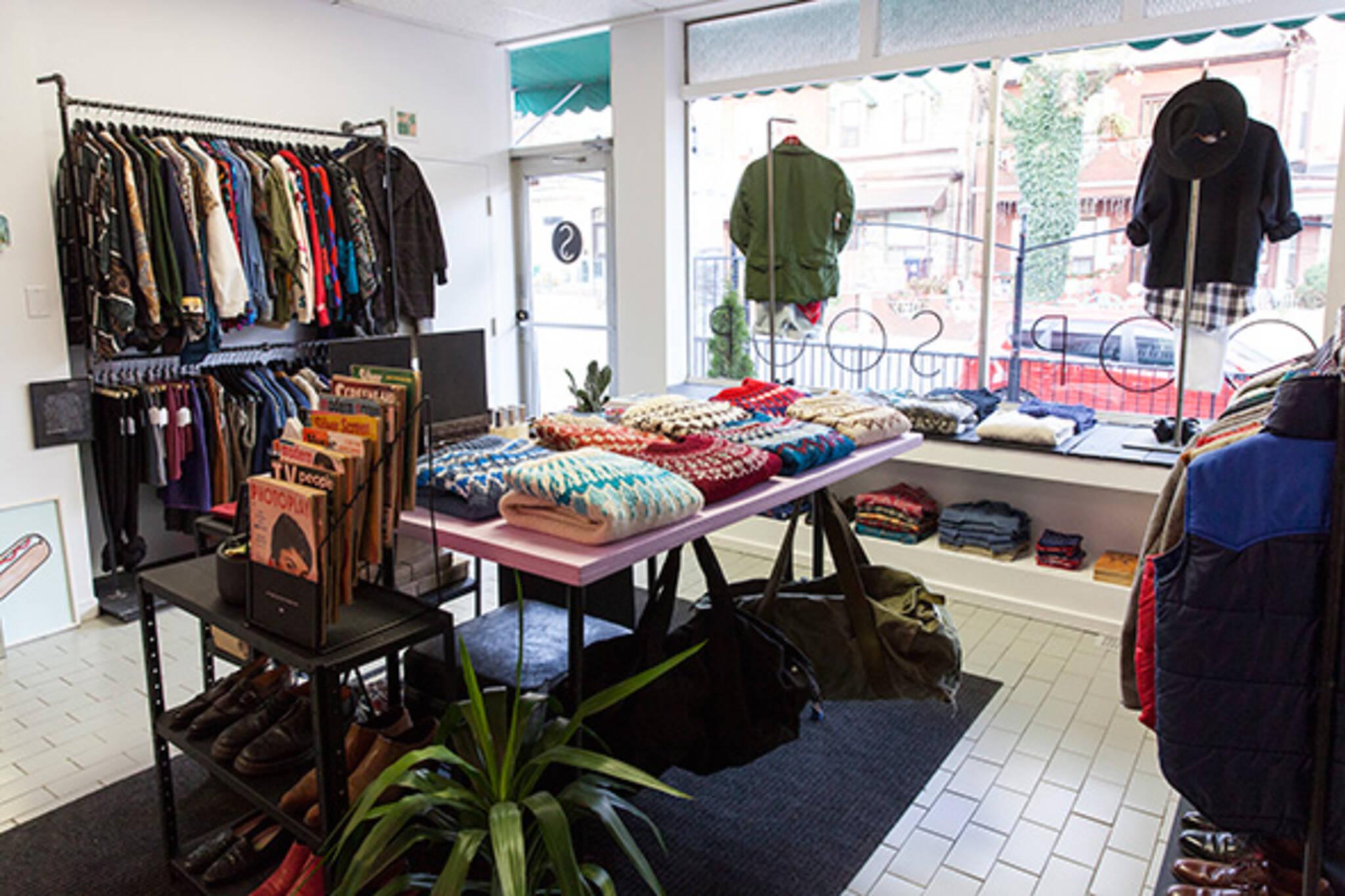 vintage shop dundas west