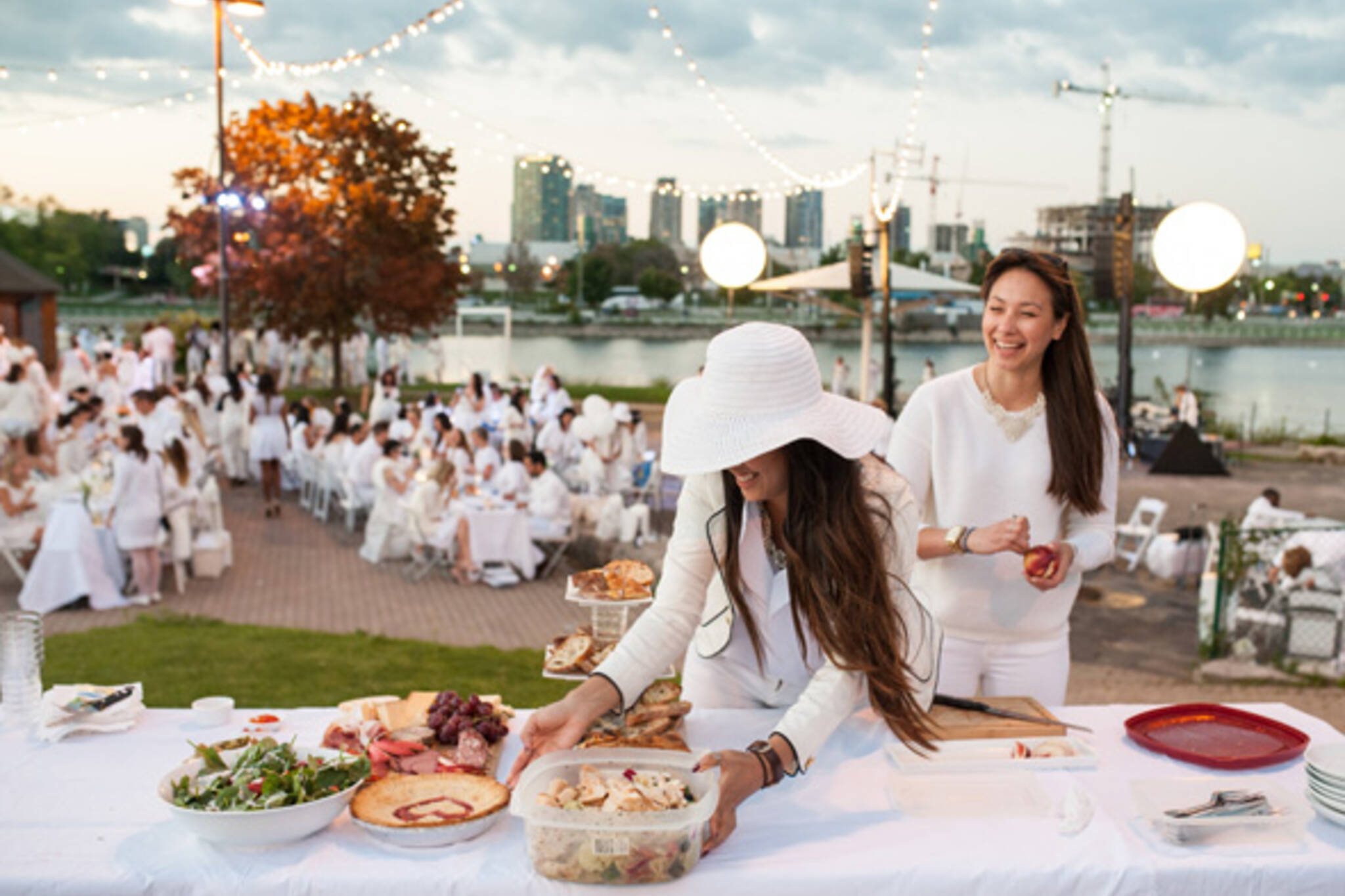 All-white dinner party returns to Toronto this summer 7b9958d71