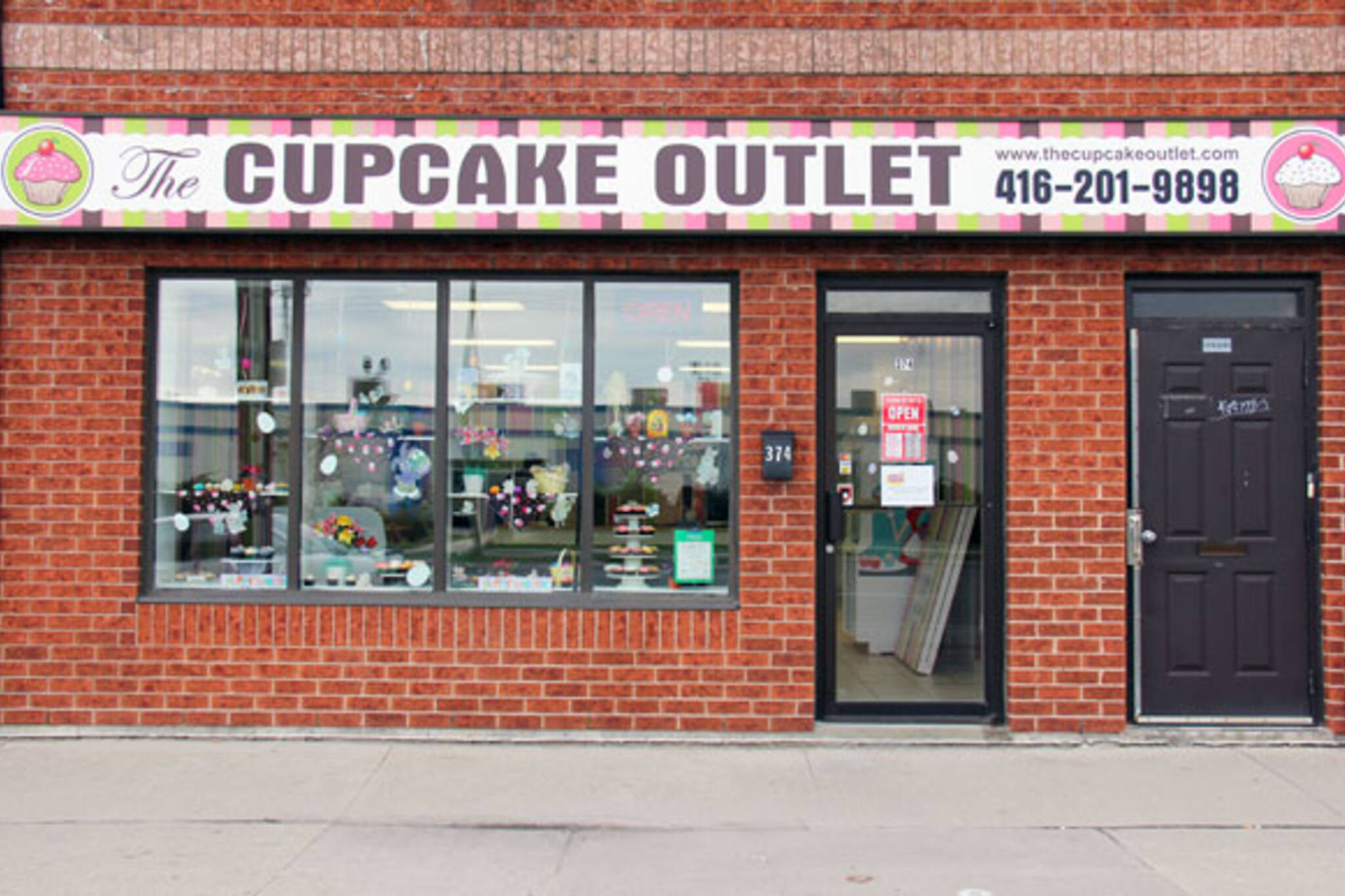 Cupcake Outlet Store