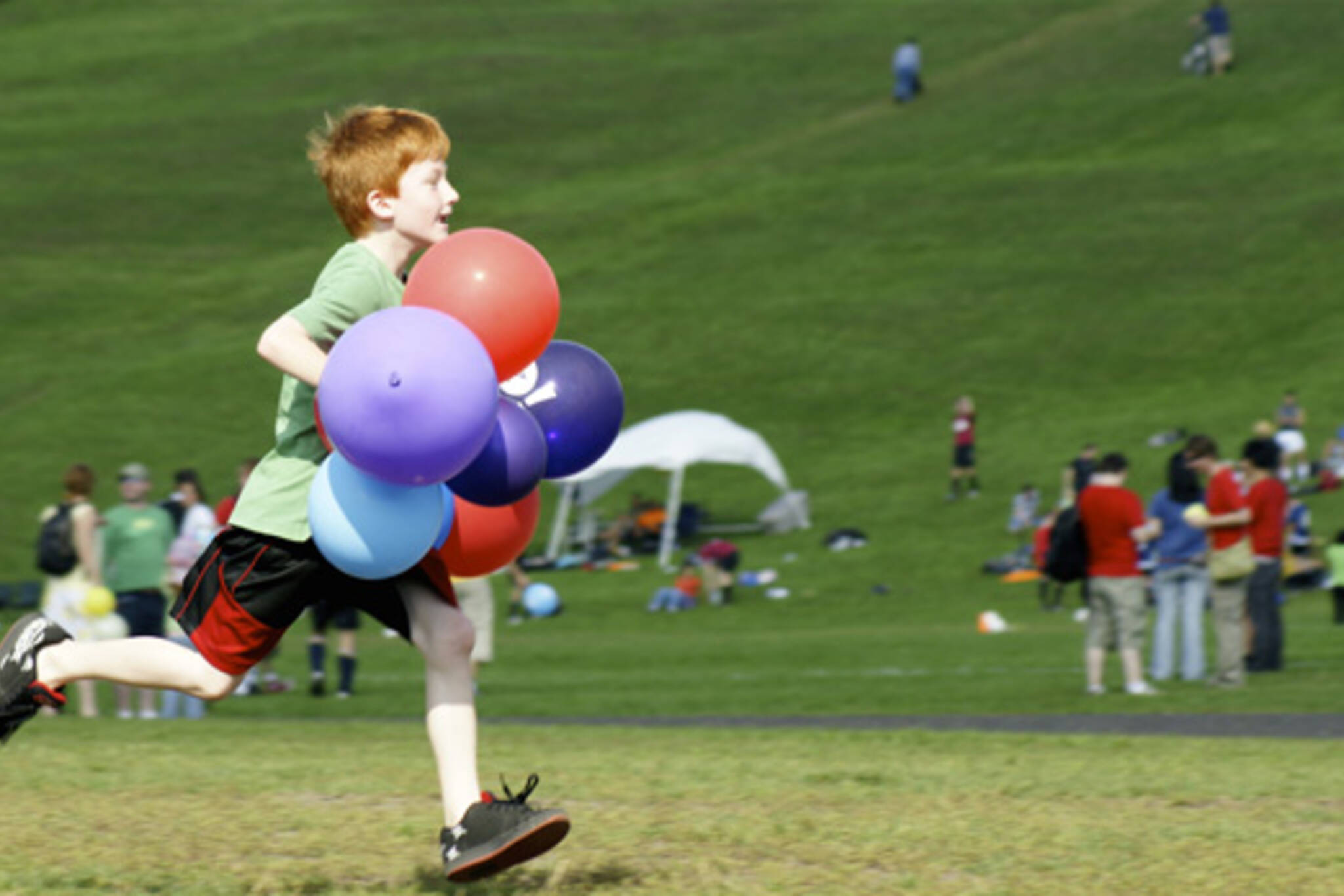 MP3 Experiment in Toronto aftermath leaves boy chasing balloon