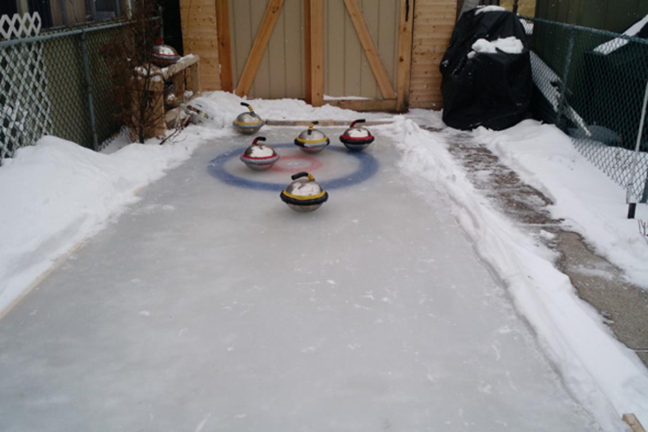 Torontonian creates curling rink in his backyard