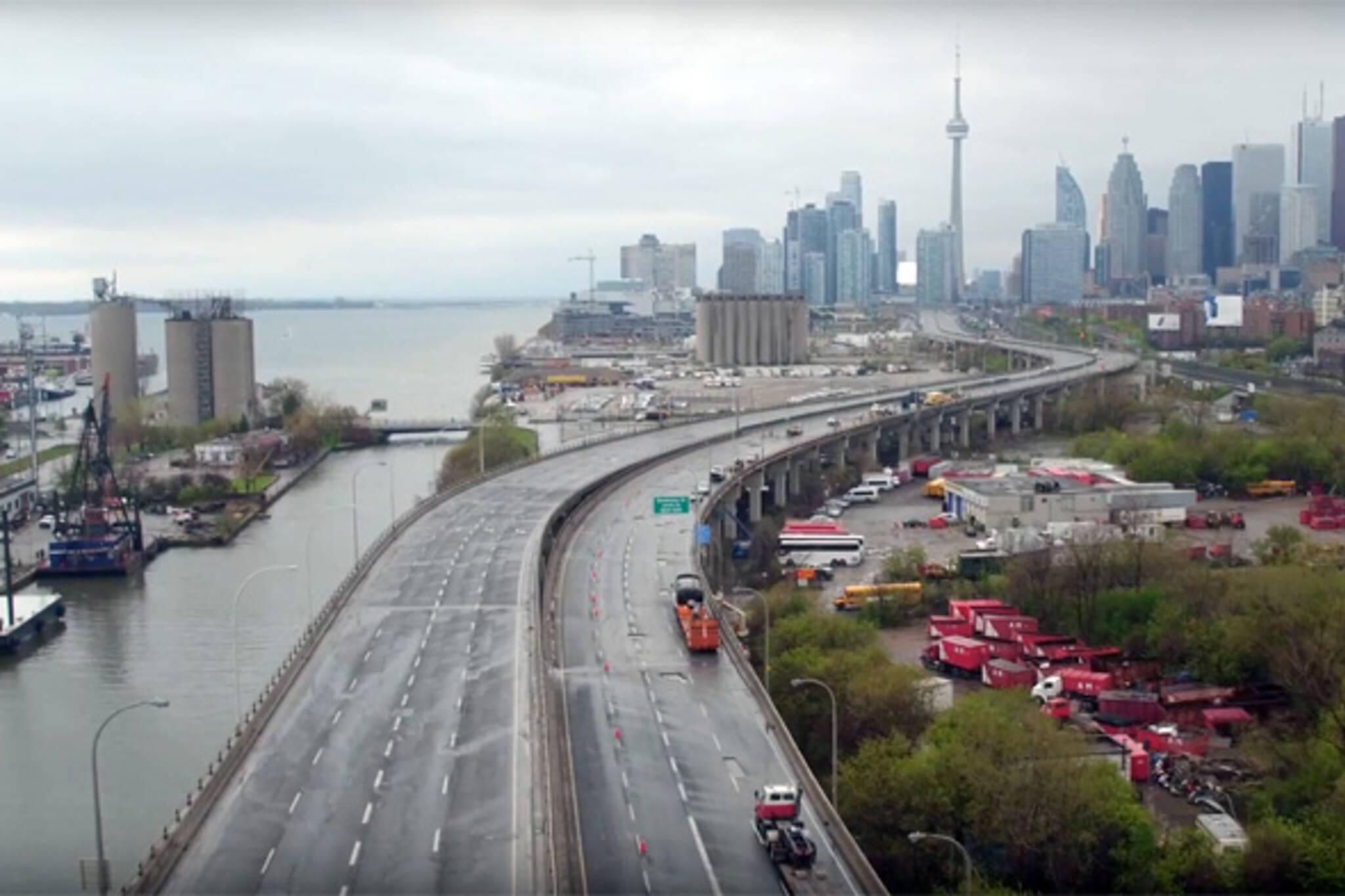 Gardiner Expressway Closed