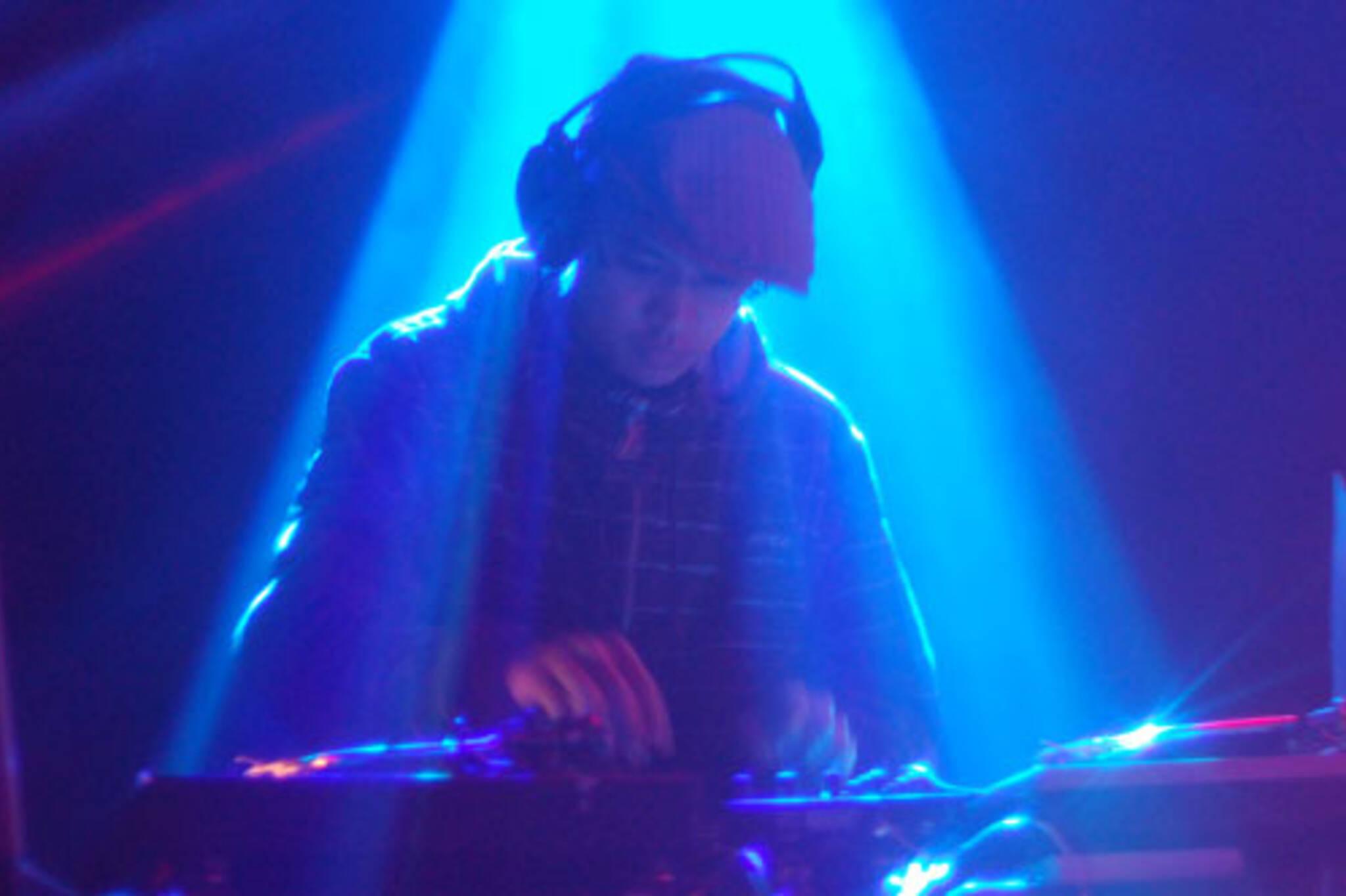 DJ T-Lo's laid back opening set