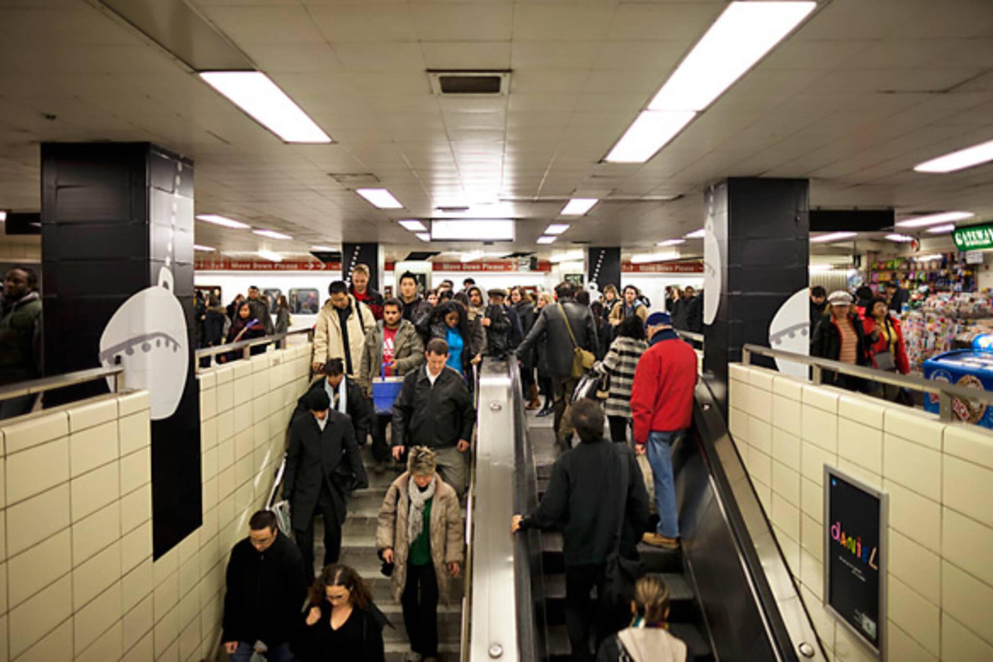 20091208-Bloor-Station.jpg