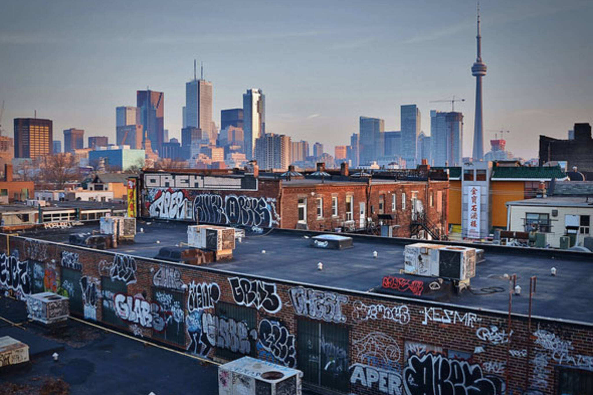 toronto skyline graffiti