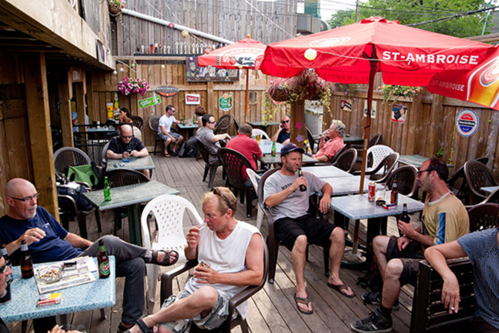 smoking banned patios toronto