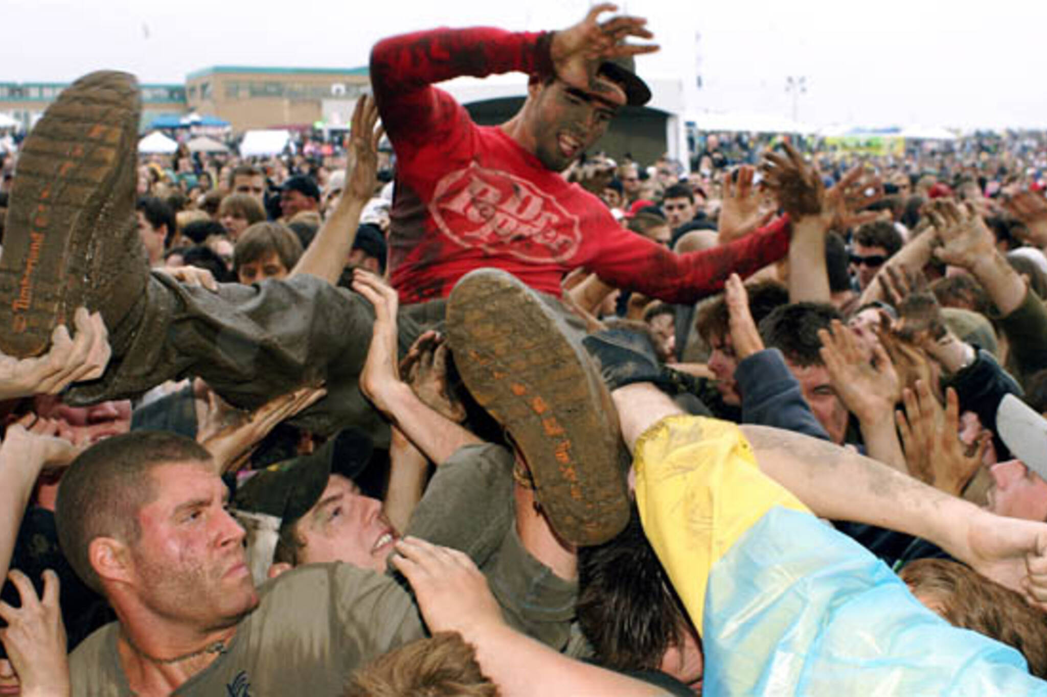 Edgefest 2009 crowd surfing