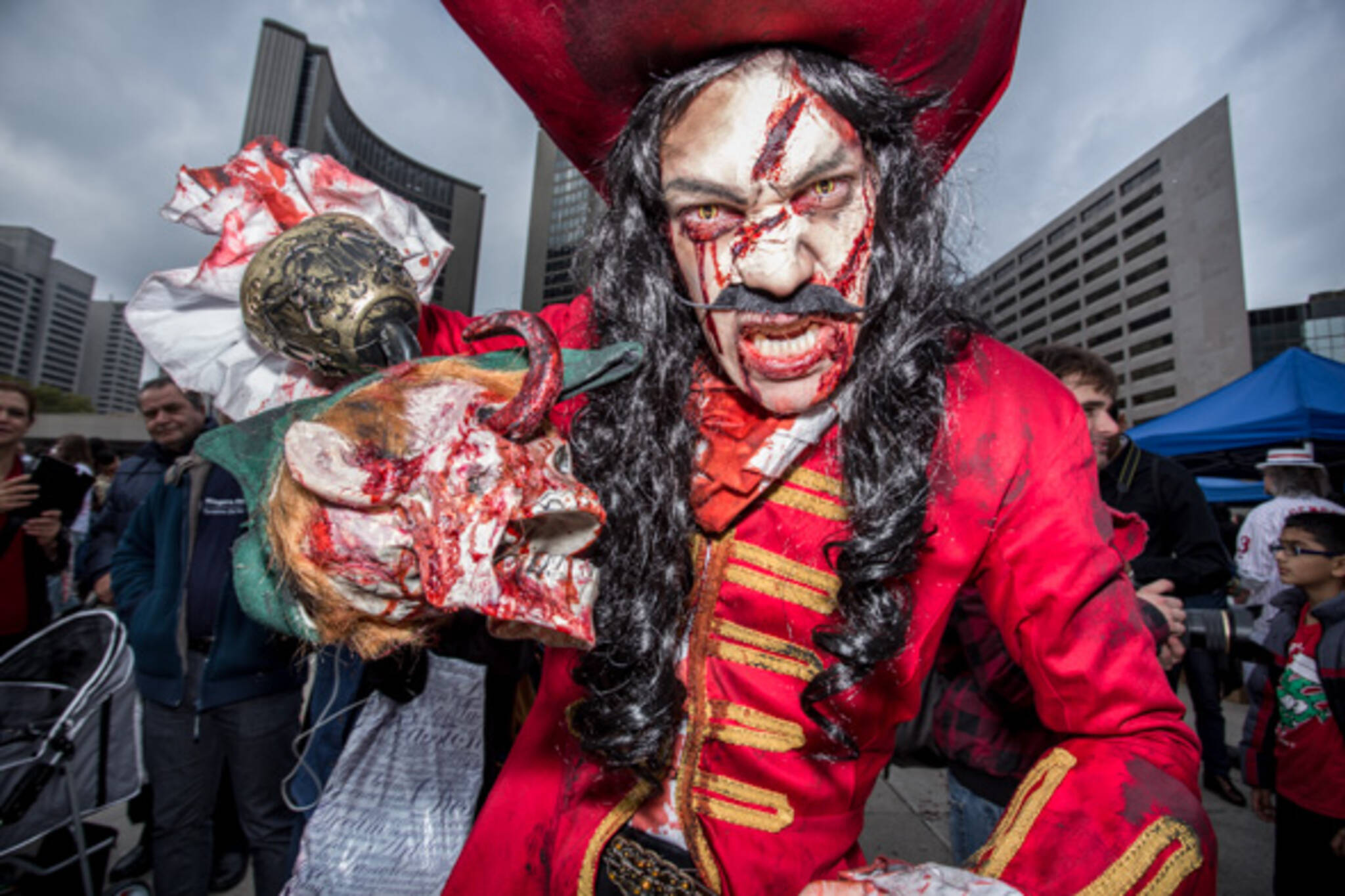 zombie walk toronto 2014