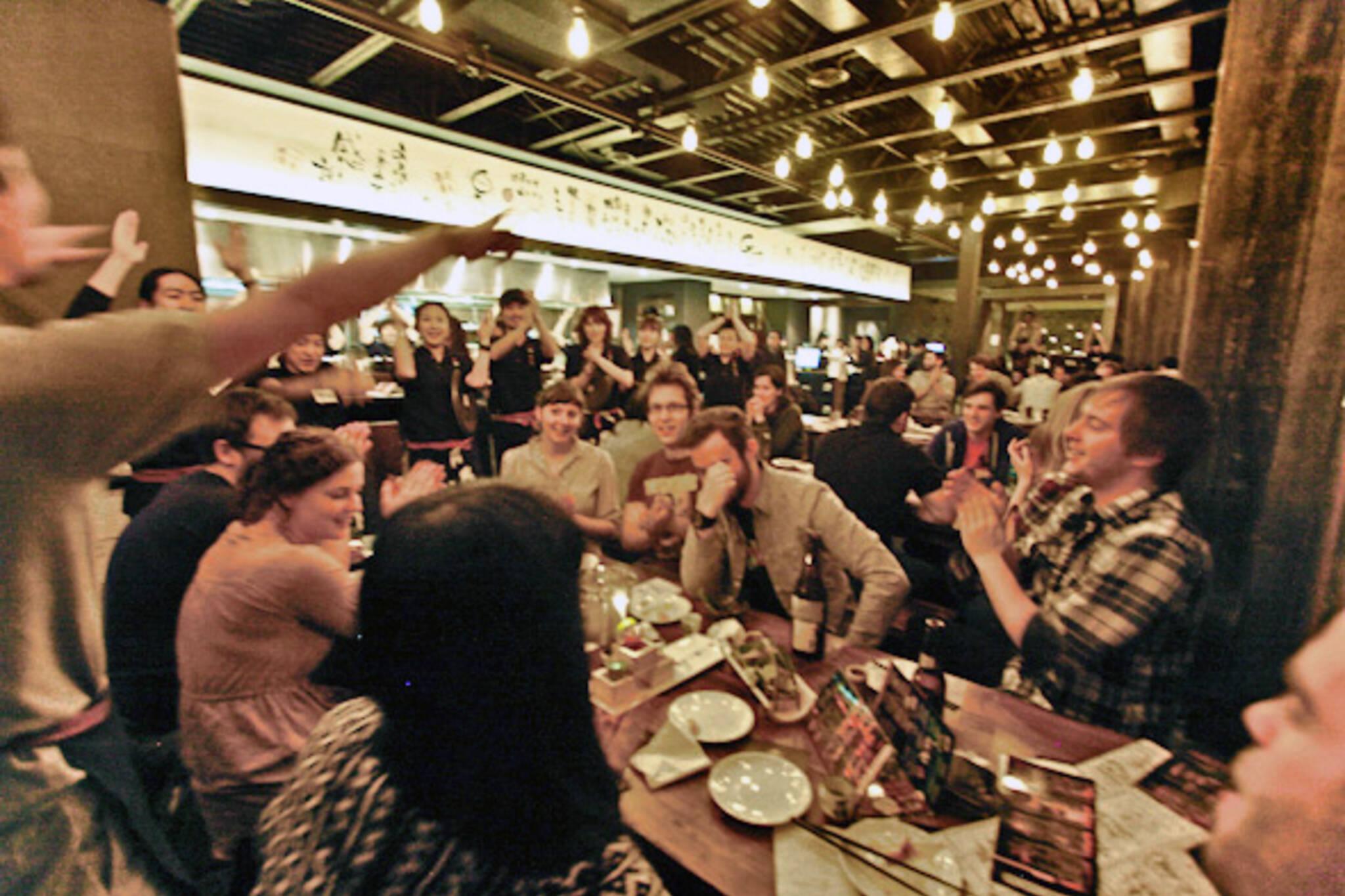 noisy restaurants toronto