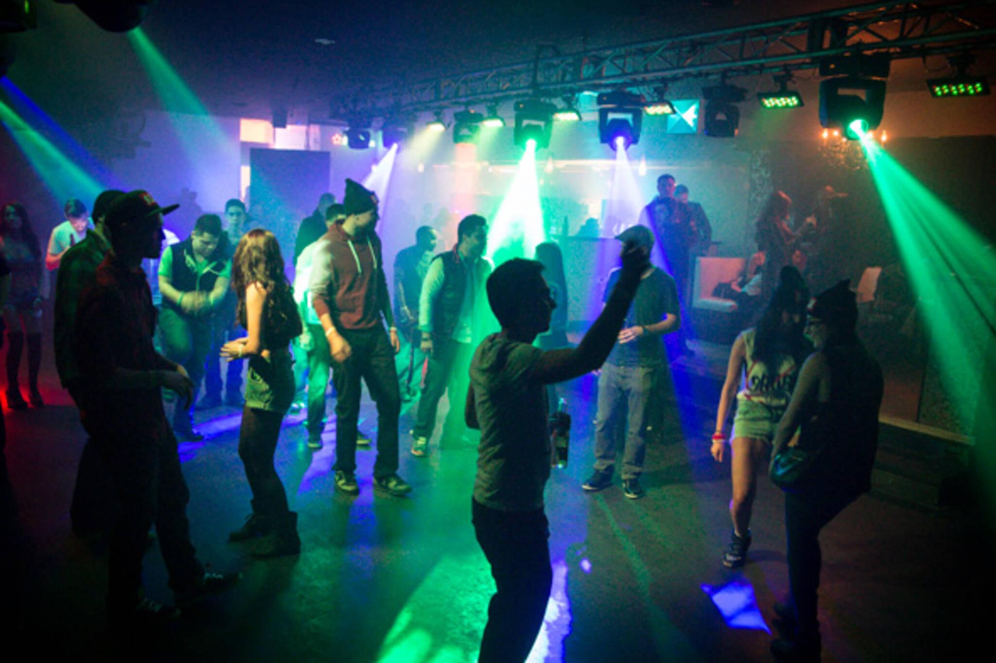dance club college st