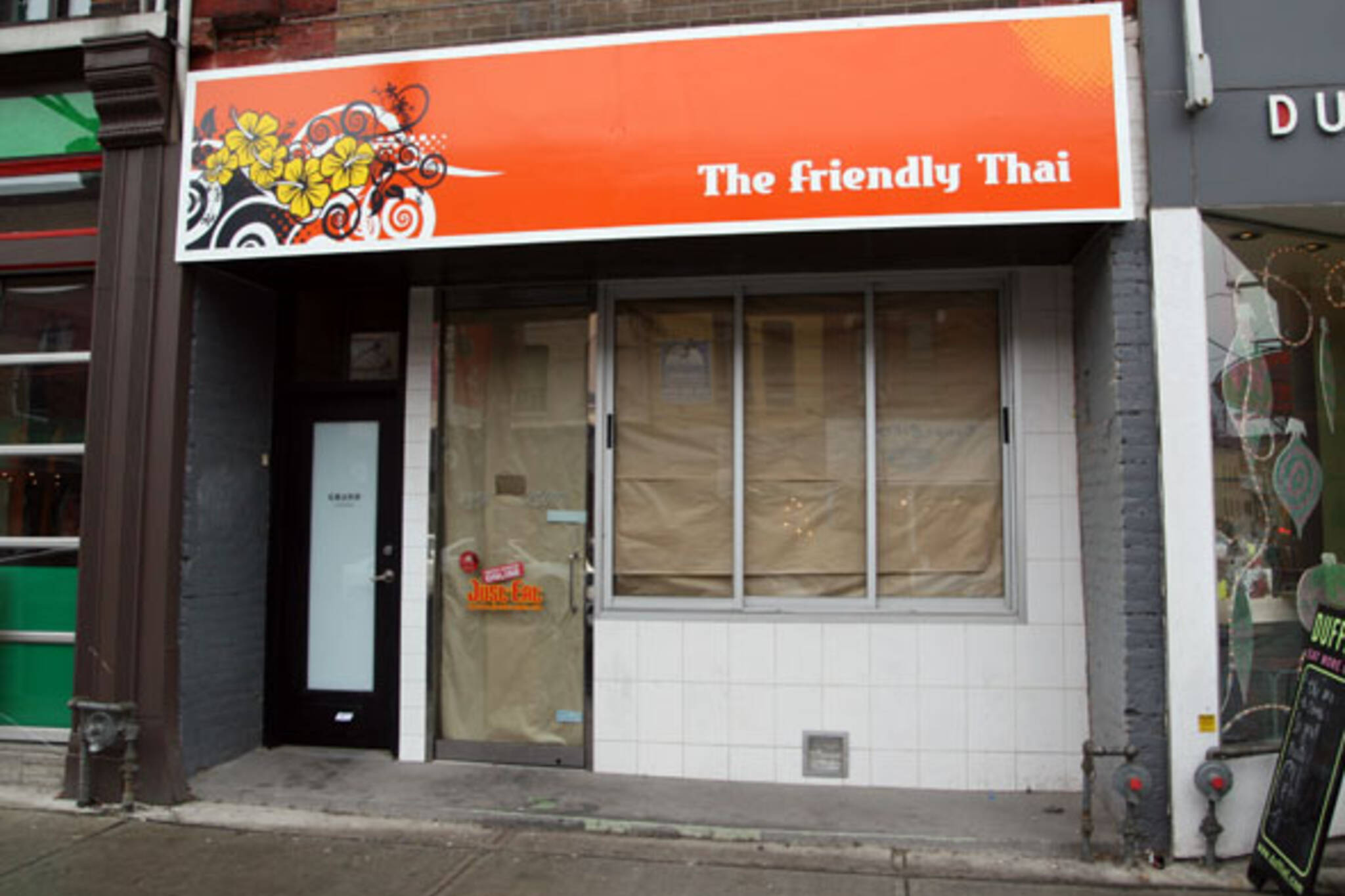Friendly Thai Queen West