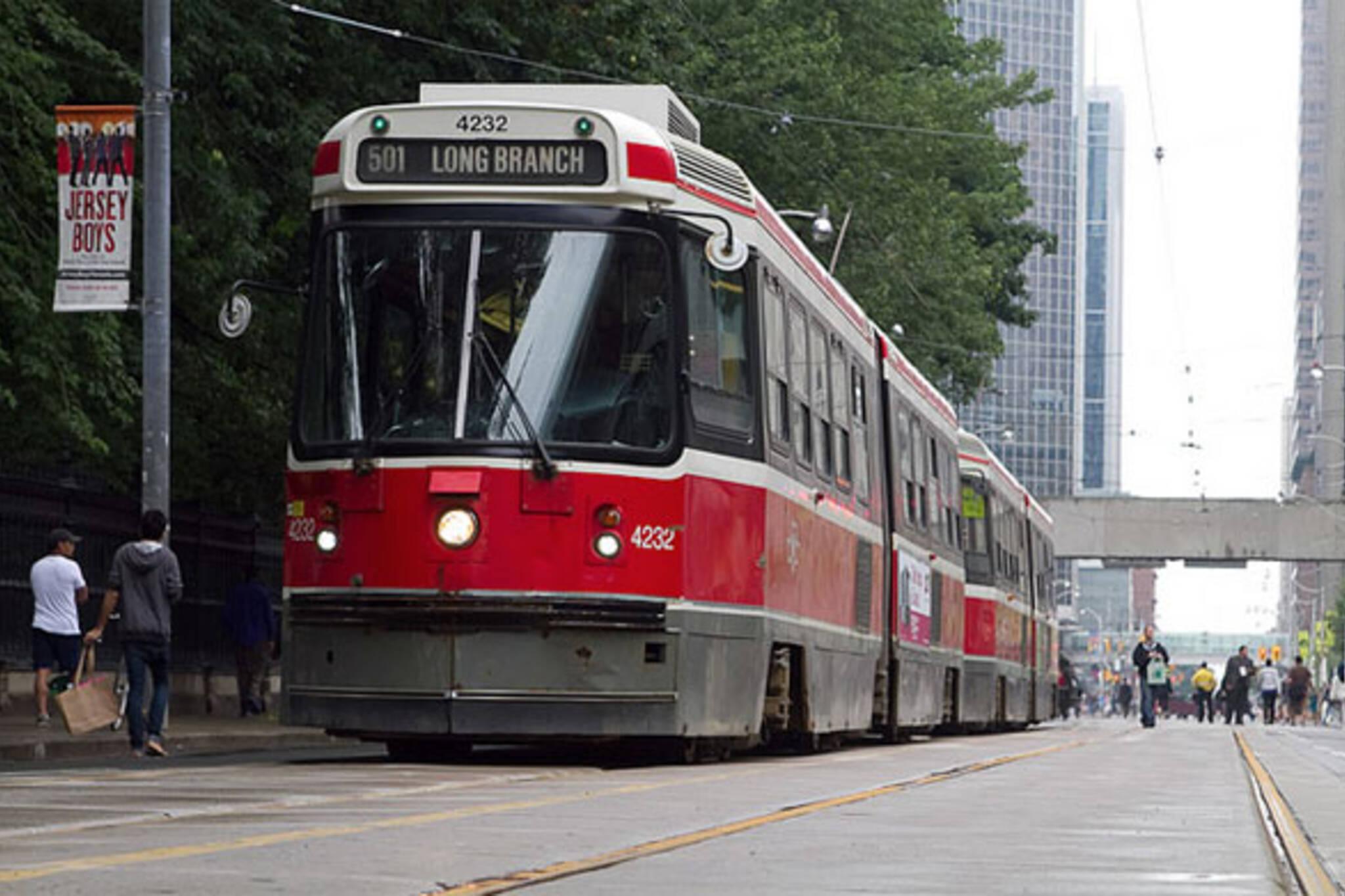 toronto queen streetcar