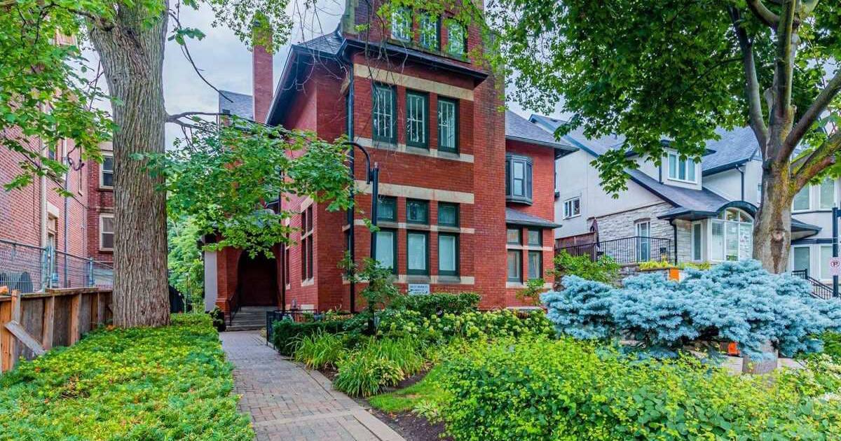 これはあなたが今トロントで50万ドルで買うことができるどんな種類のアパートです