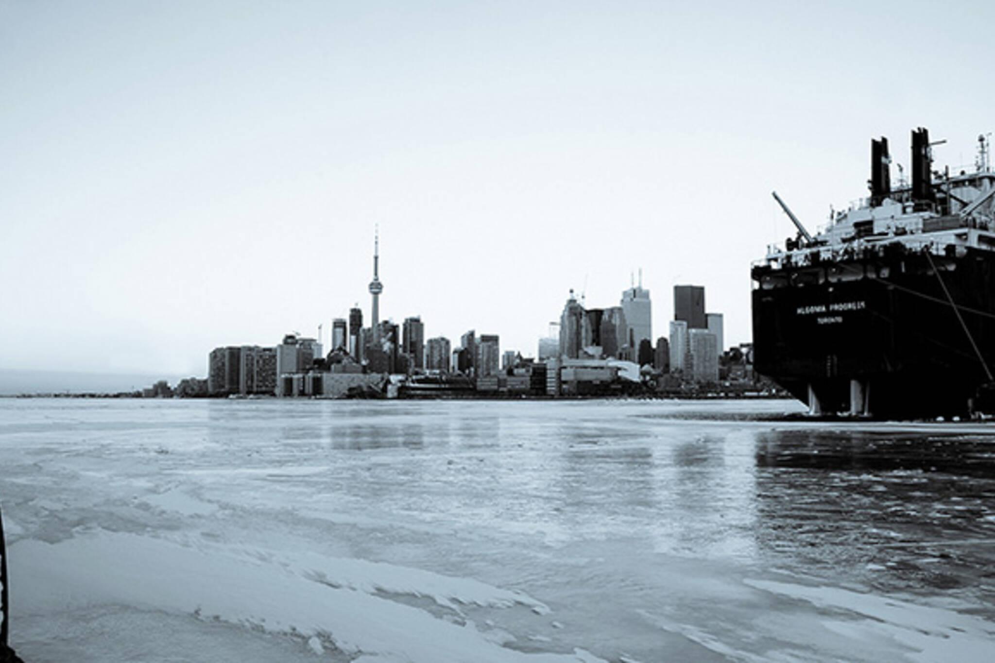 winter skyline toronto