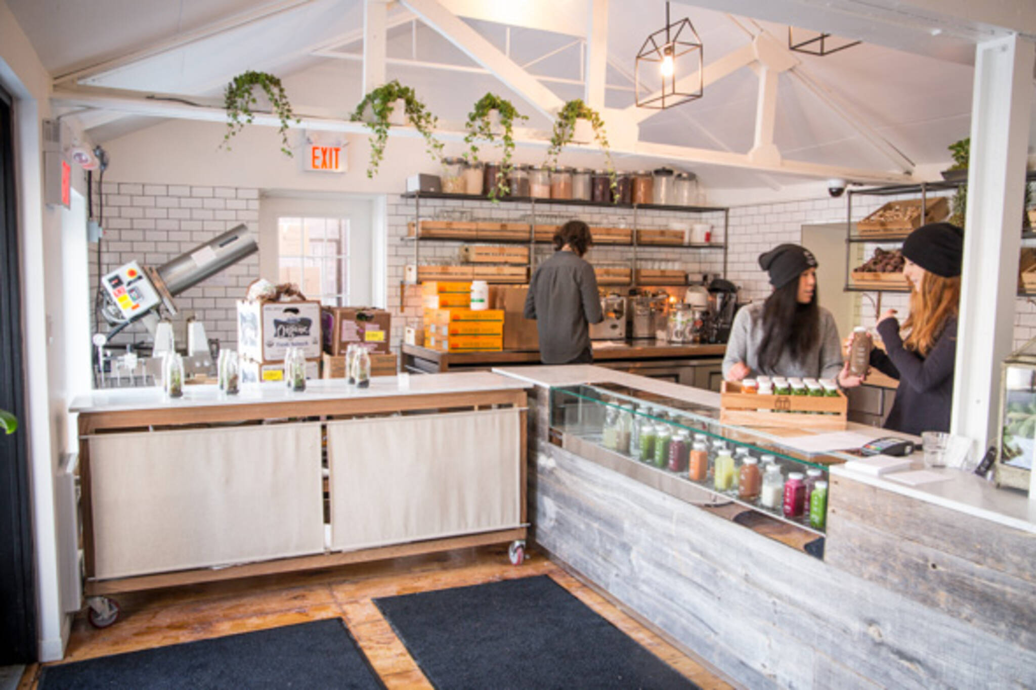 How Toronto S Cold Pressed Juice Bars Stay In The Green