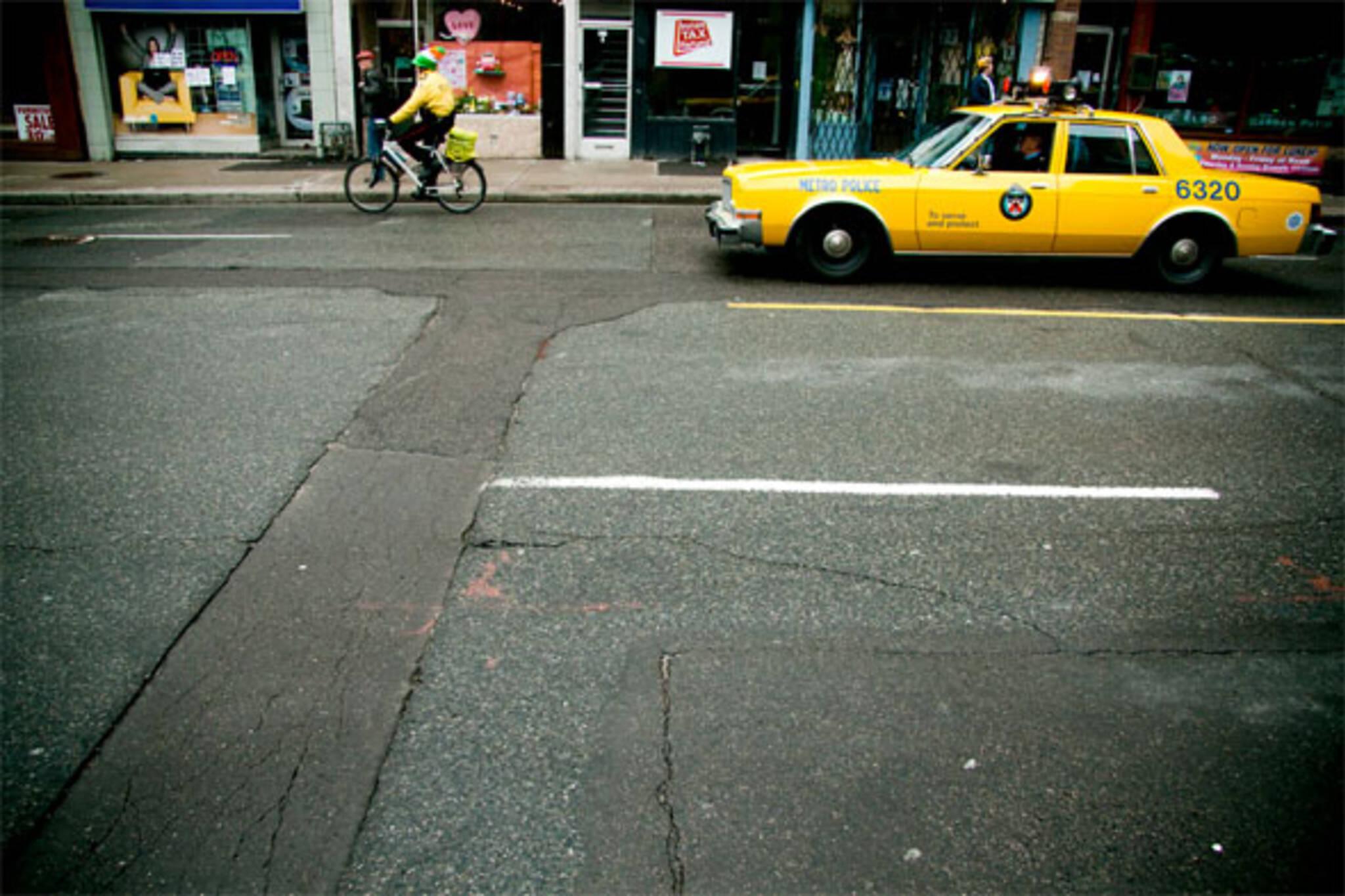 toronto yellow police car