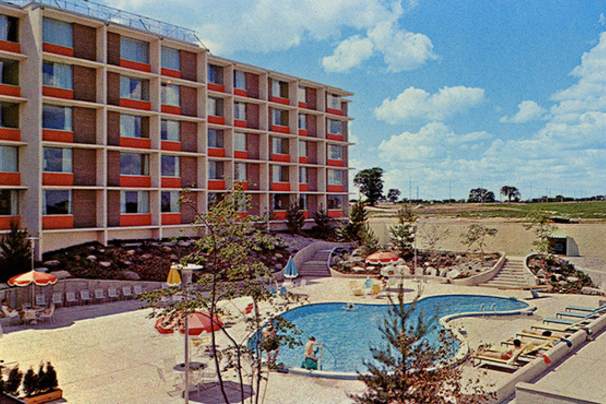 toronto airport hotel strip history