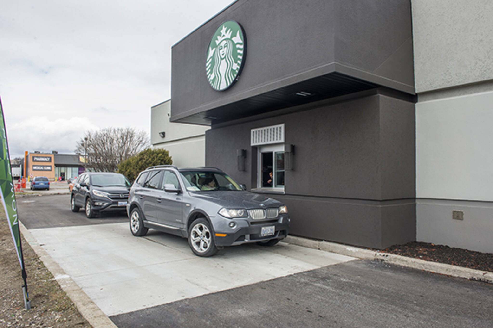 how to order coffee at starbucks drive thru