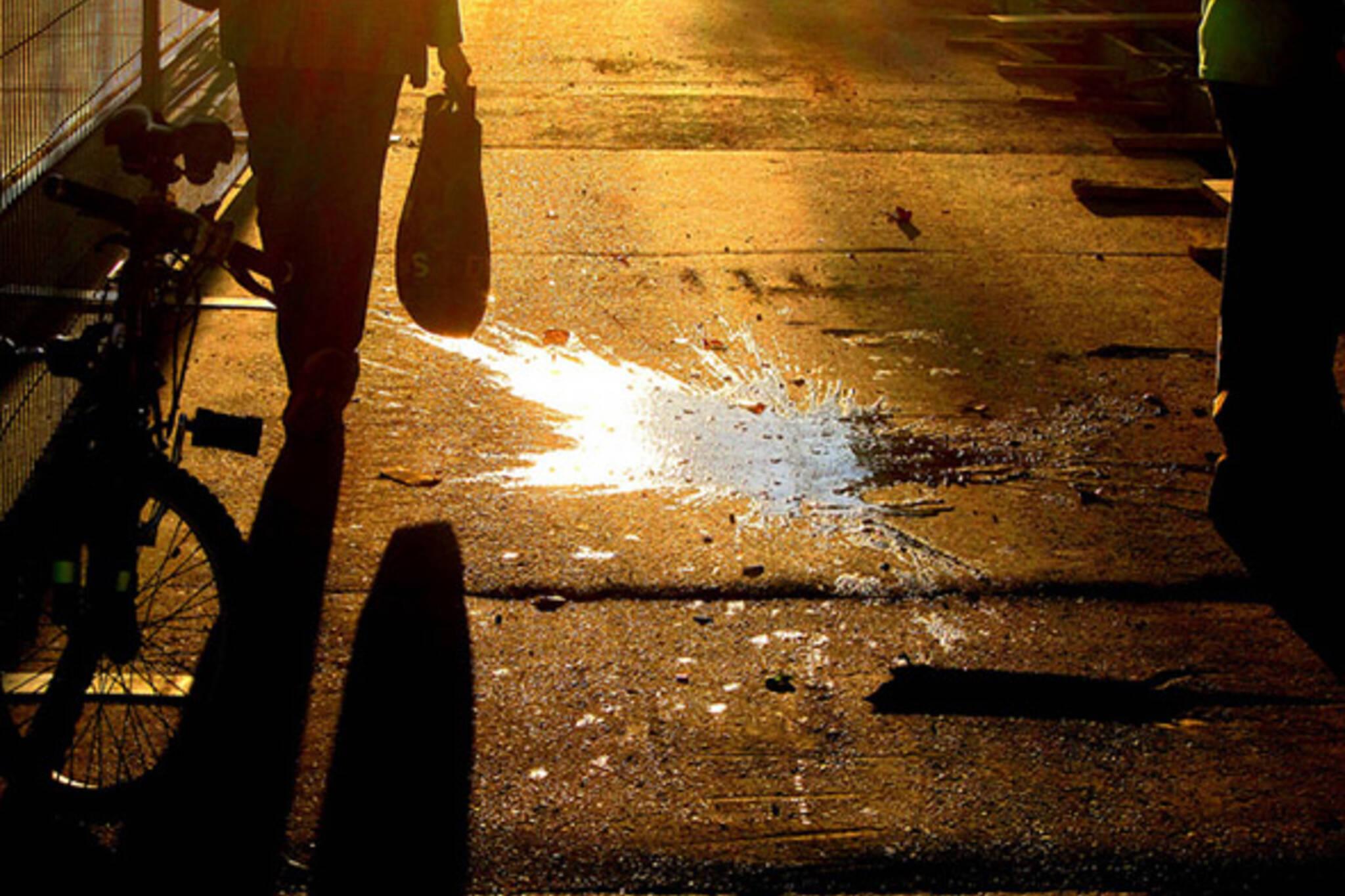toronto, shadow, spill