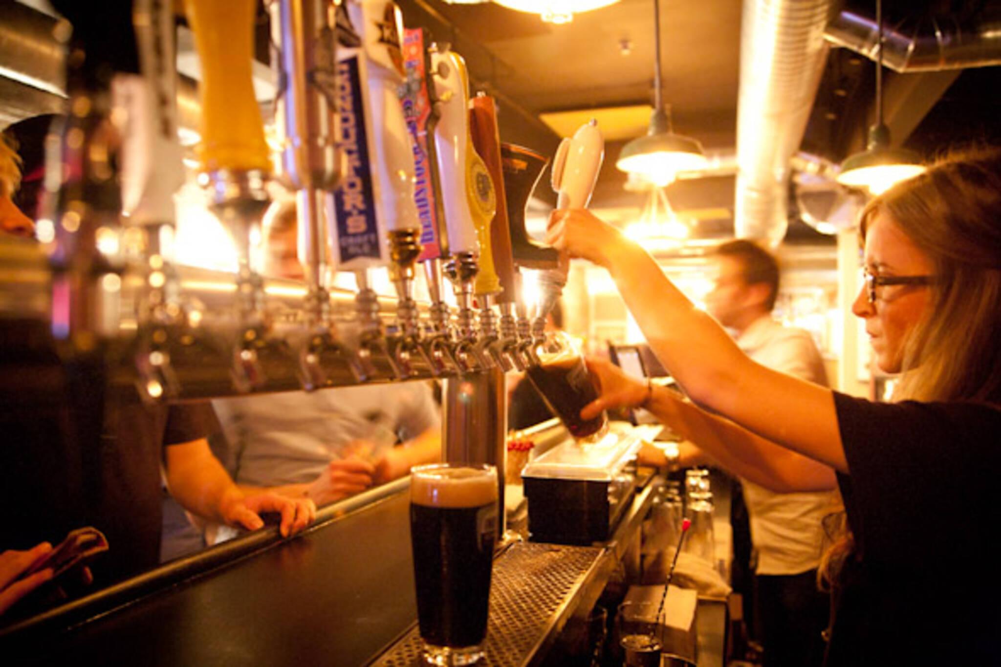 bars dundas west