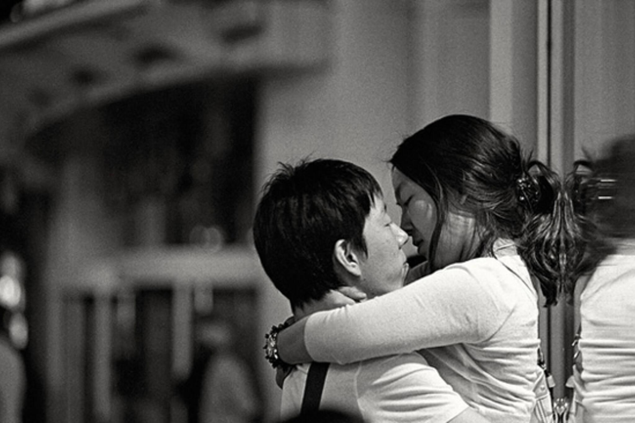 kiss, passion, street
