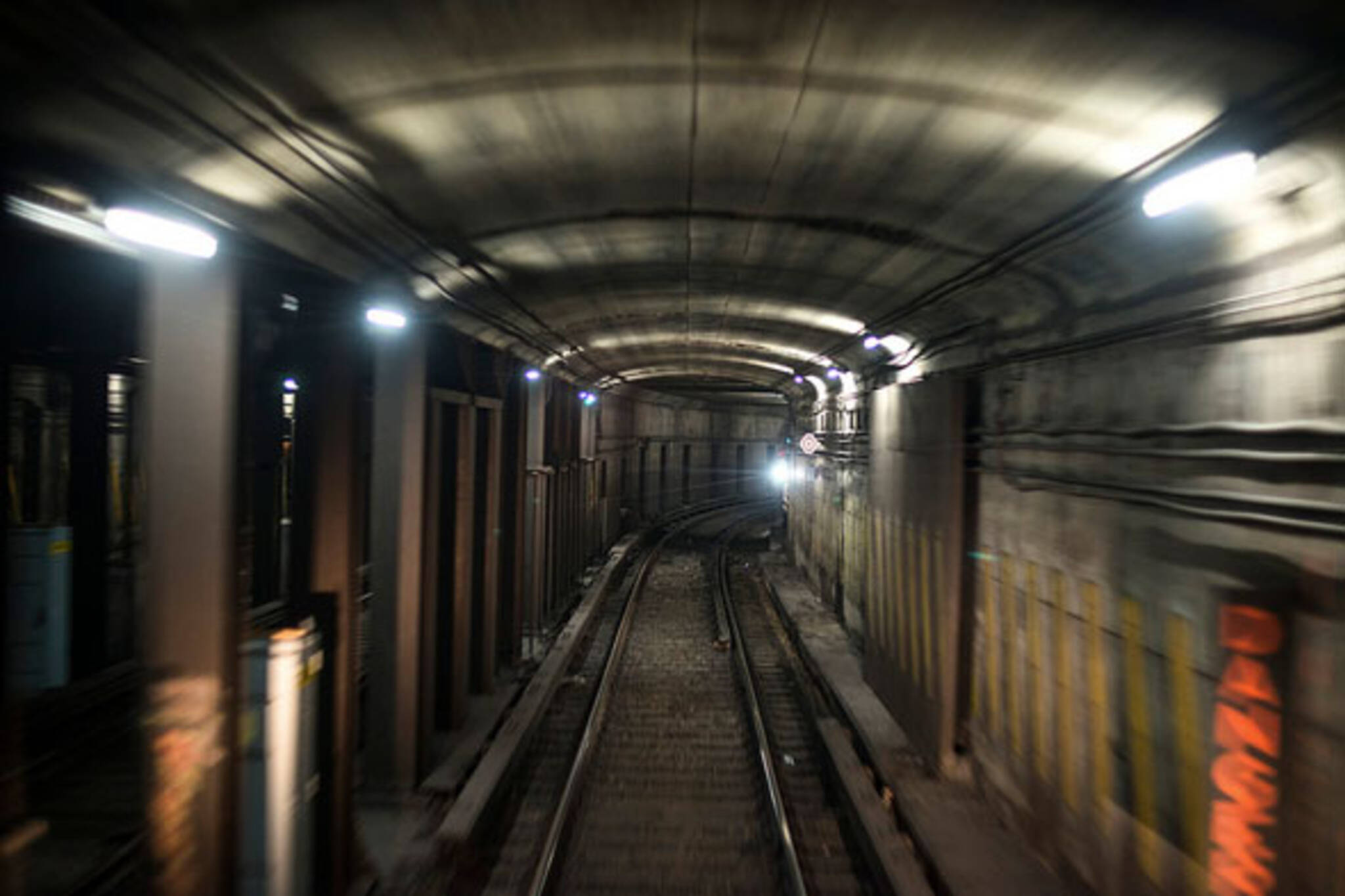 toronto subway tunnel