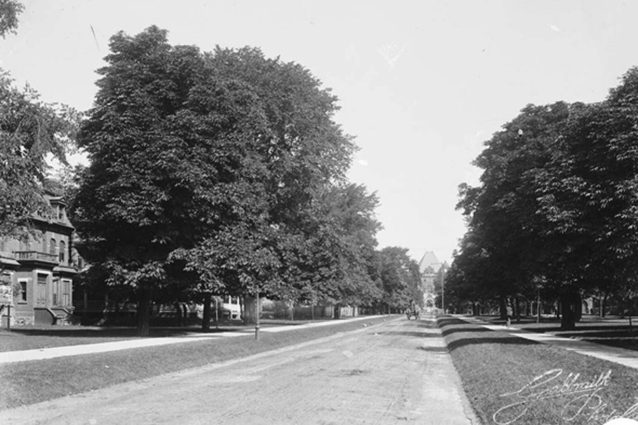 University Avenue History Toronto