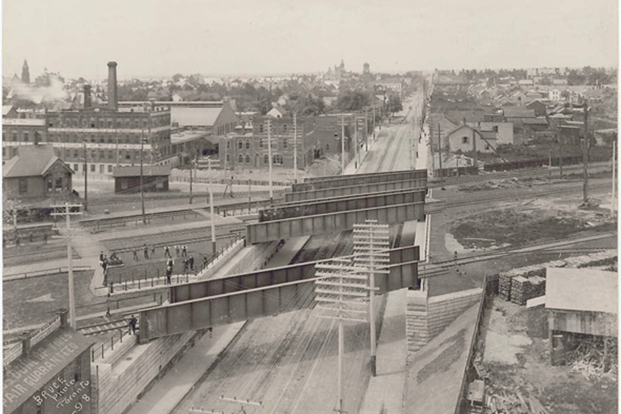 Queen West Subway Dufferin Overpass