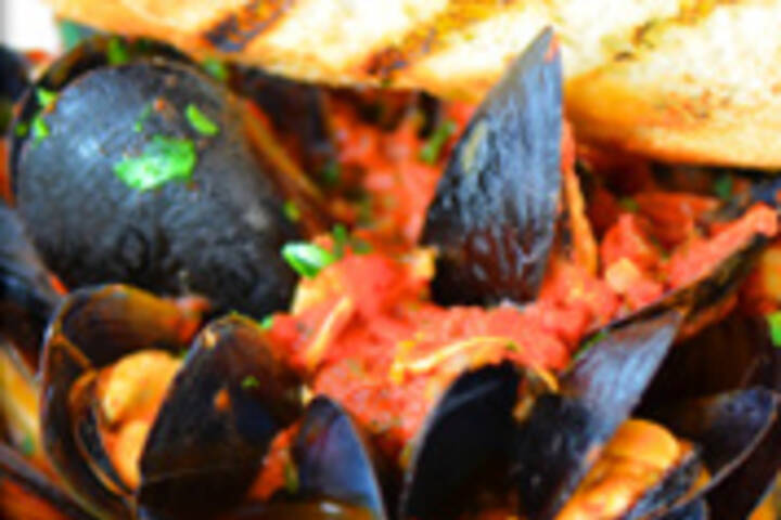 the best mussels in toronto. Black Bedroom Furniture Sets. Home Design Ideas