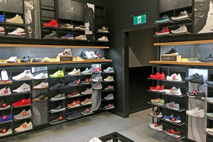 free shipping 8b573 590de The Best Sneaker Shops in Toronto
