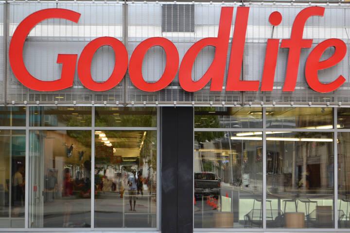 GoodLife Fitness downtown Toronto Yonge St.