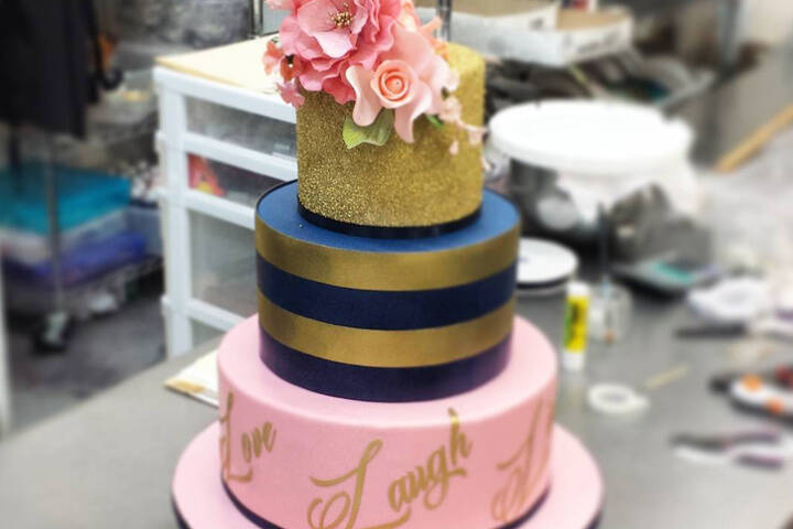 N Mehndi Cake : The best wedding cakes in toronto