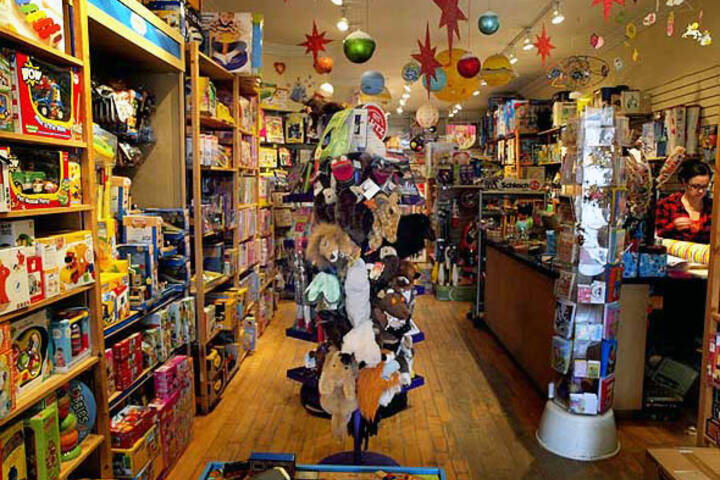The best toy stores in toronto for Arts and crafts stores near my location