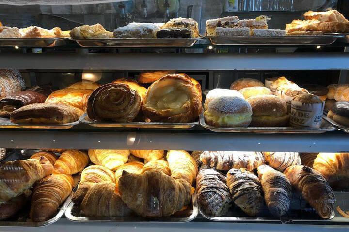希拉面包店
