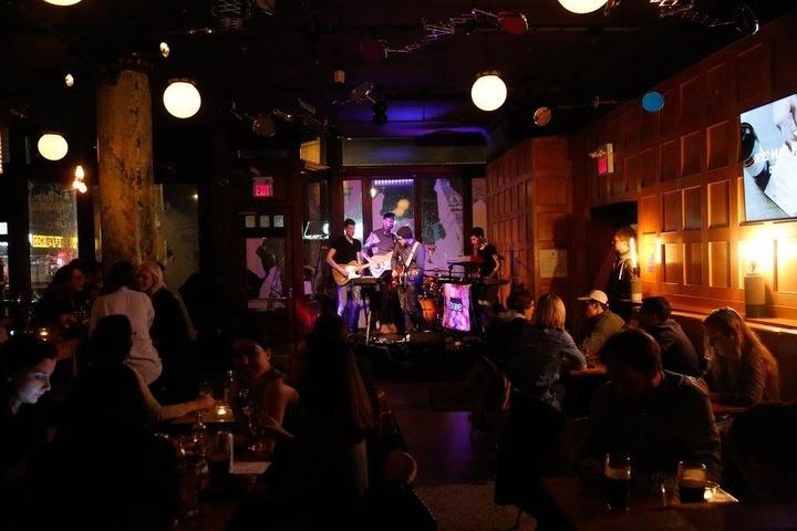 Gladstone Melody Bar